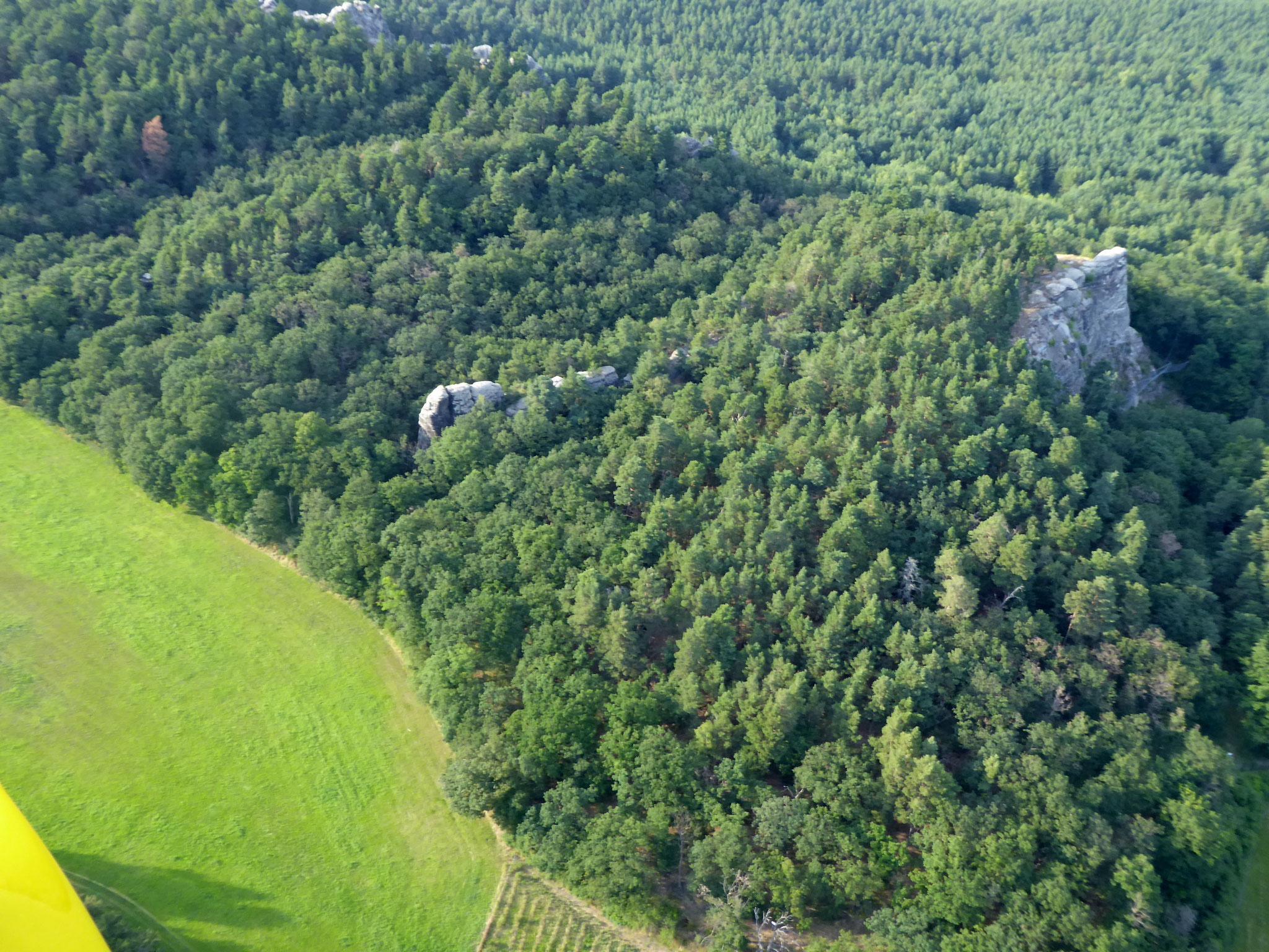 Blick aus der Luft auf die Felsen.