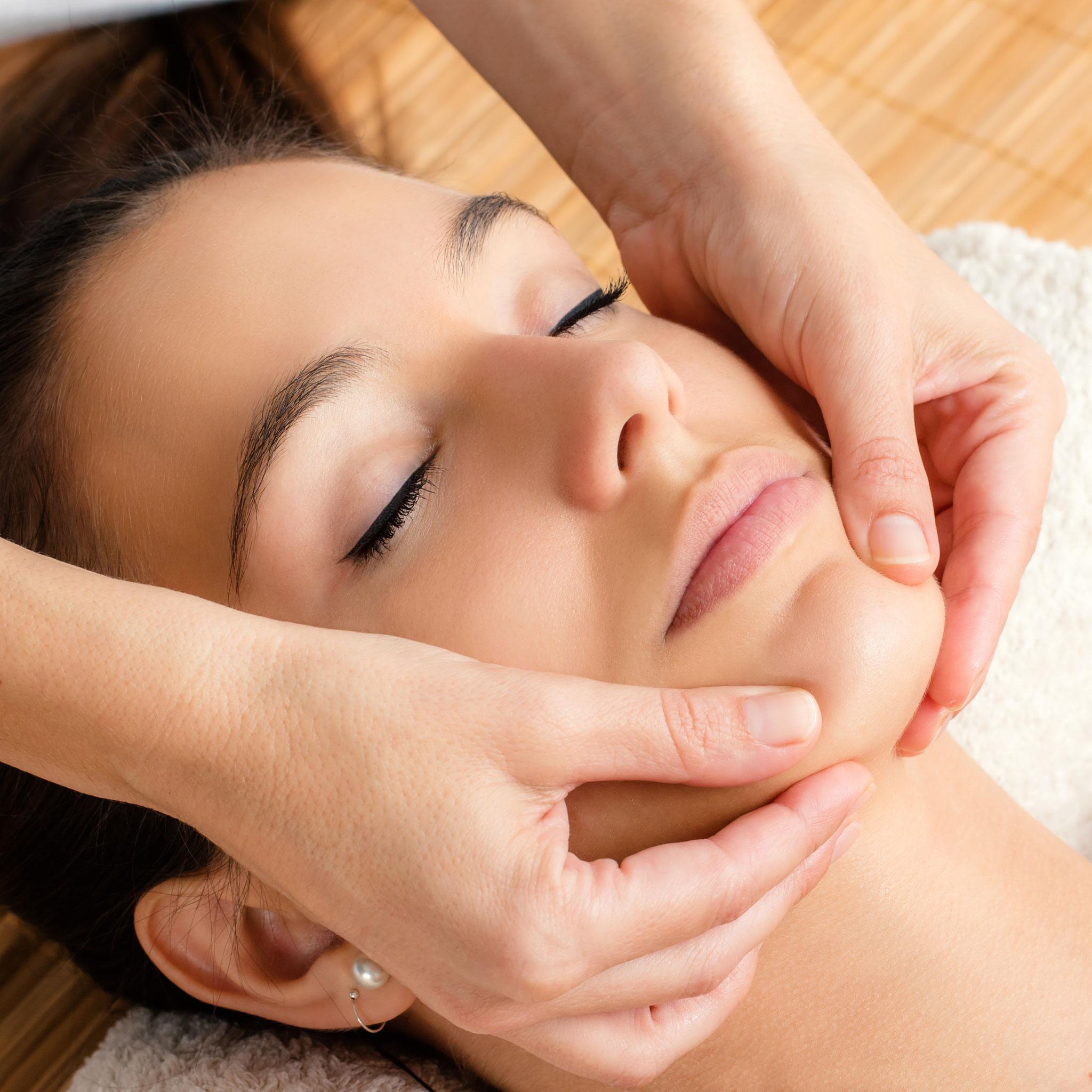 Wellness- und Verwöhn-Gesichtsbehandlungen