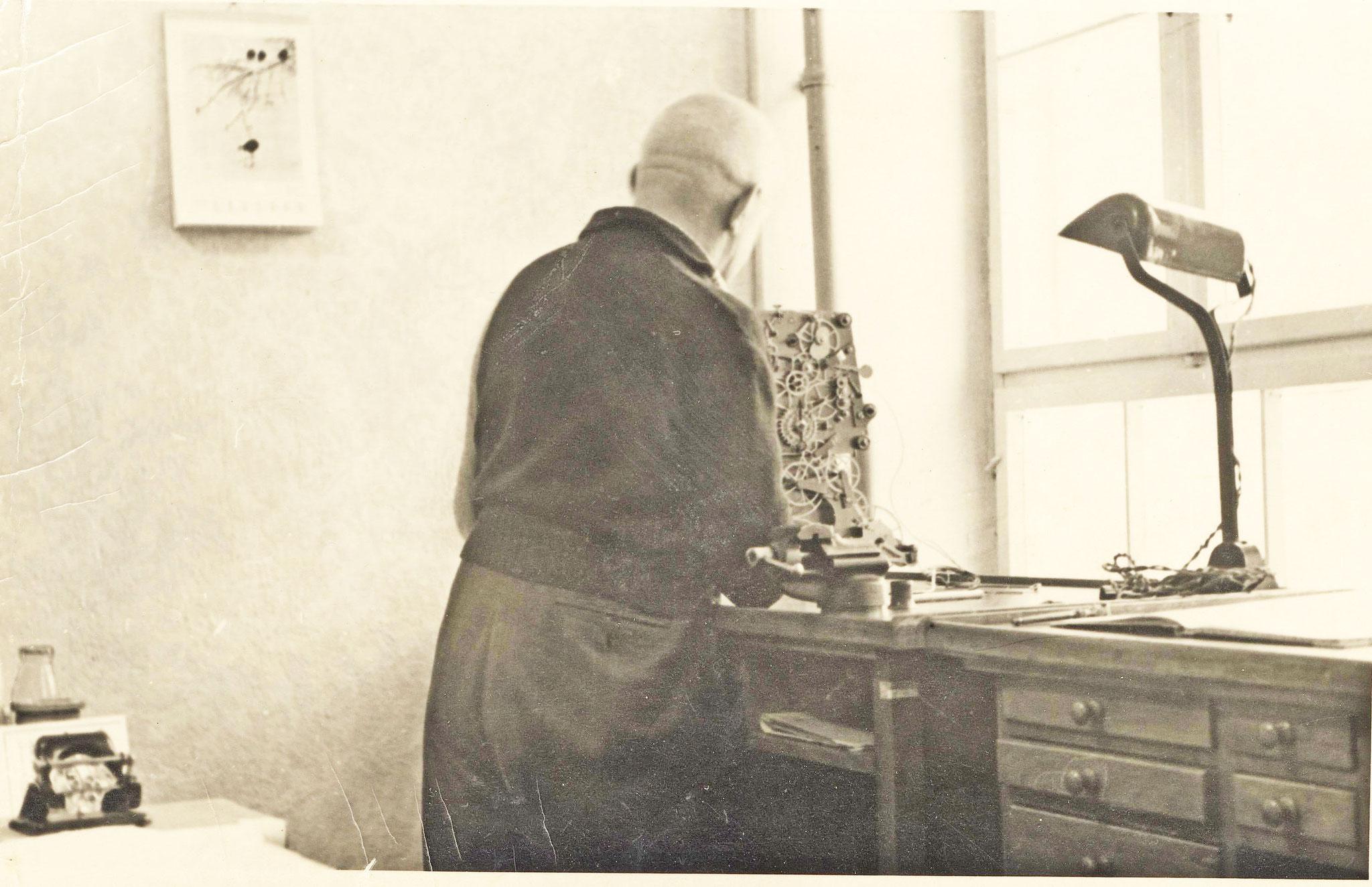 Altmeister Alfred Helwig bei der Arbeit