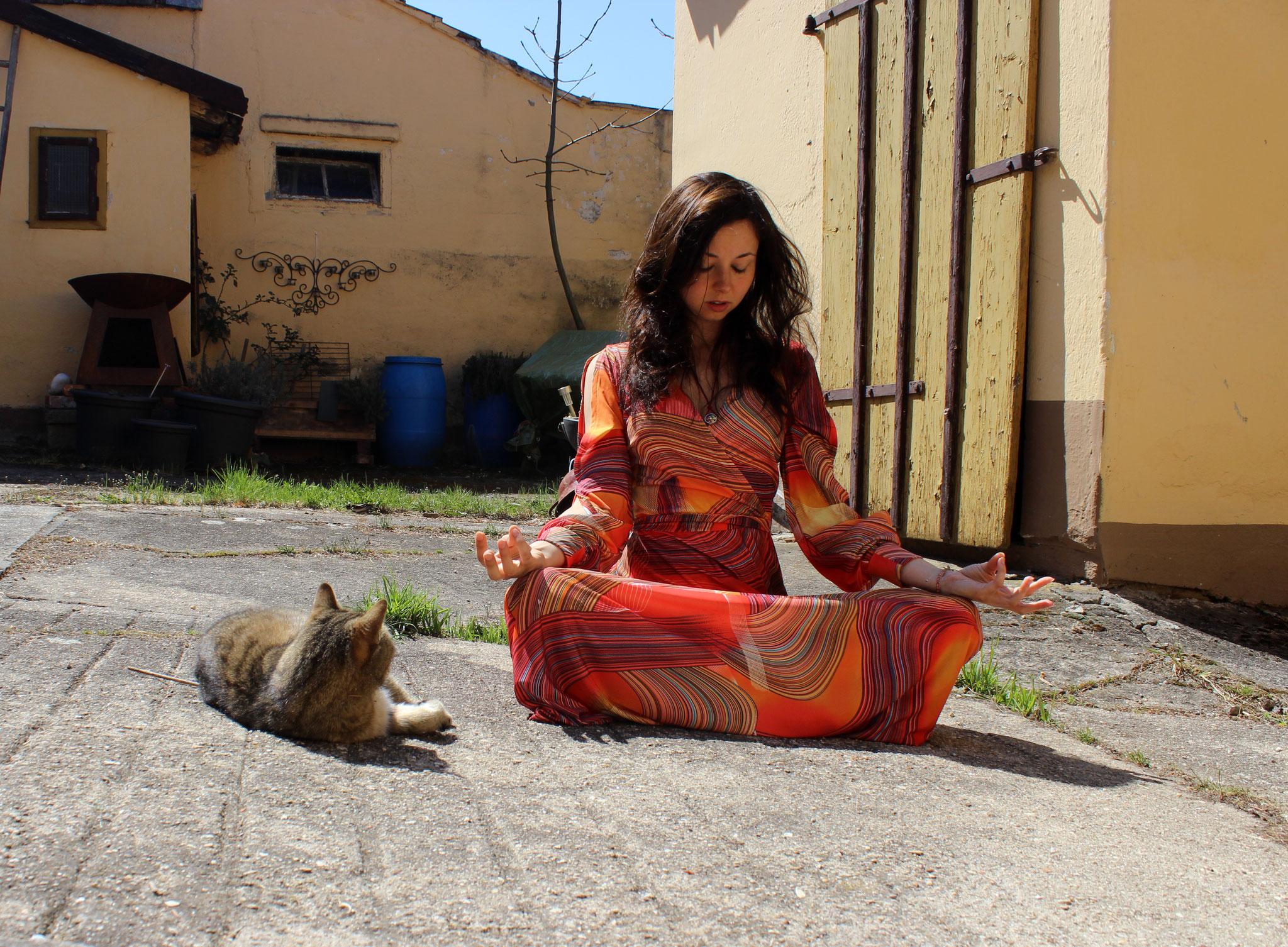 Meditation hilft dir, wieder in Balance zu kommen.