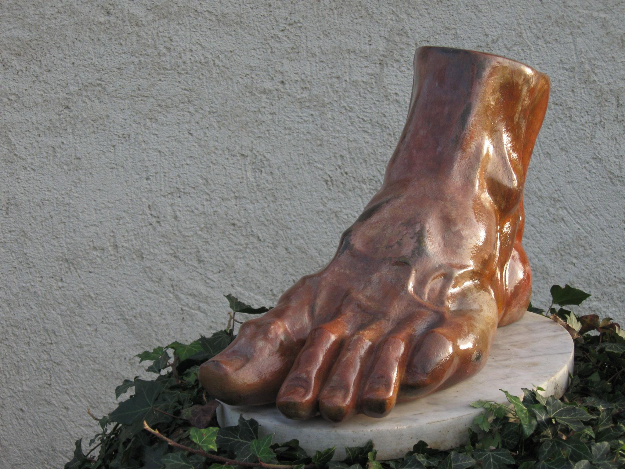 Le pied - plâtre pâtiné