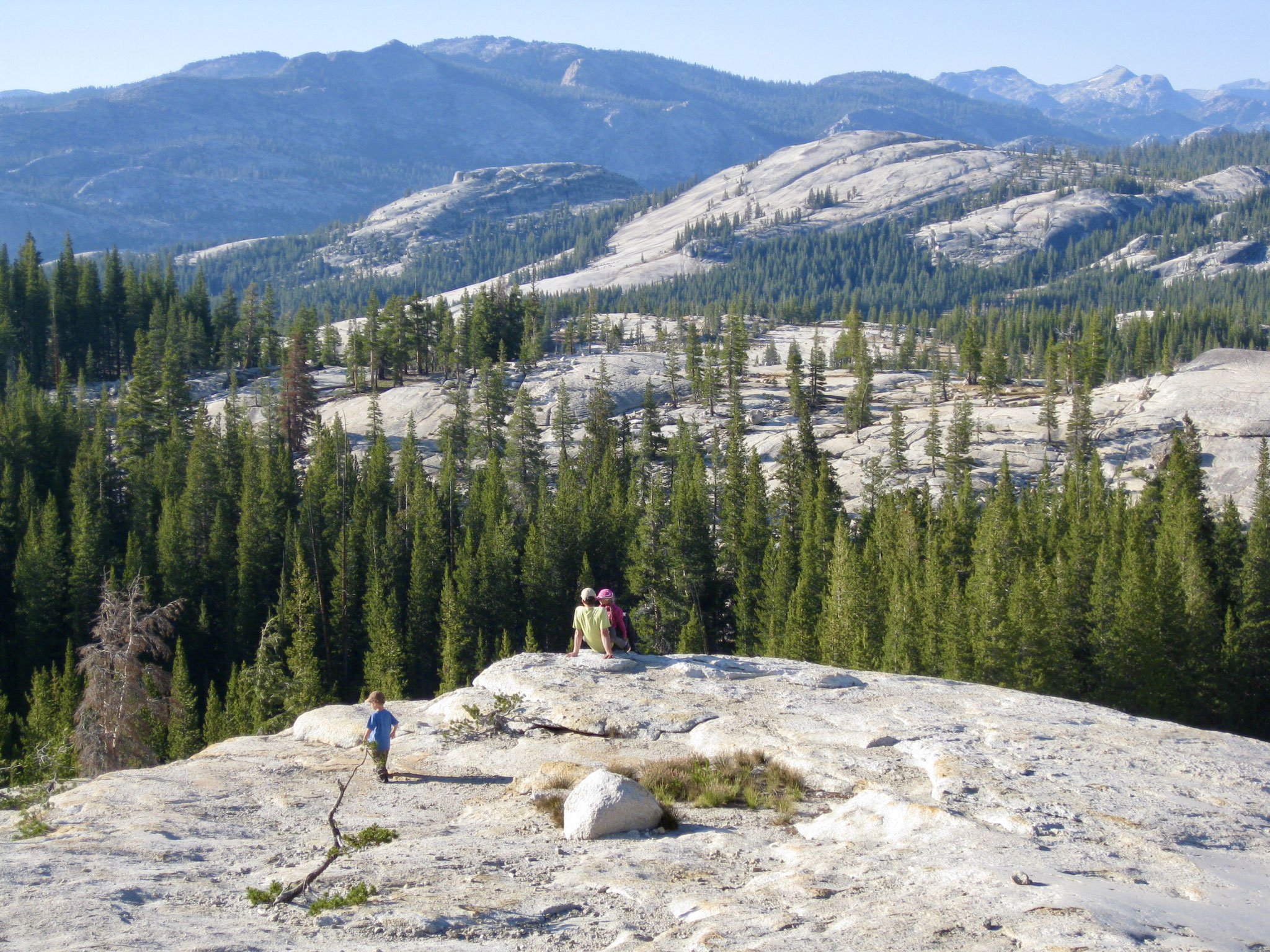 Yosemite National Park hinter Daff Dome einfach den Felsen entlang
