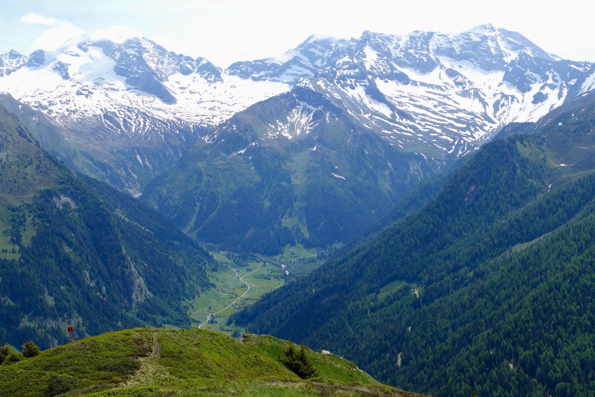 Zurück zur Hütte am Ende des Valsertals.