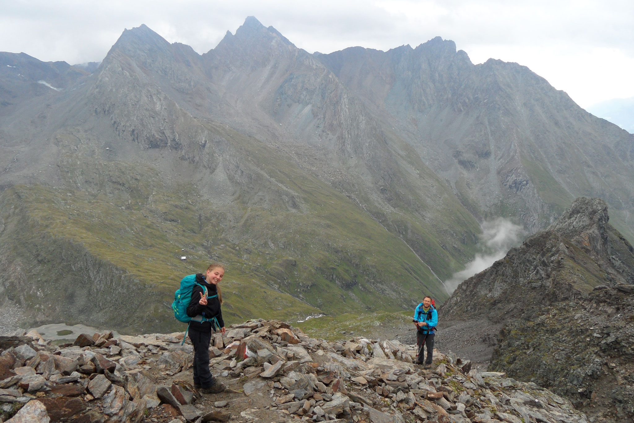 Der Blick zurück mit der Eisseehütte ganz klein, es war ein steiler Anstieg.