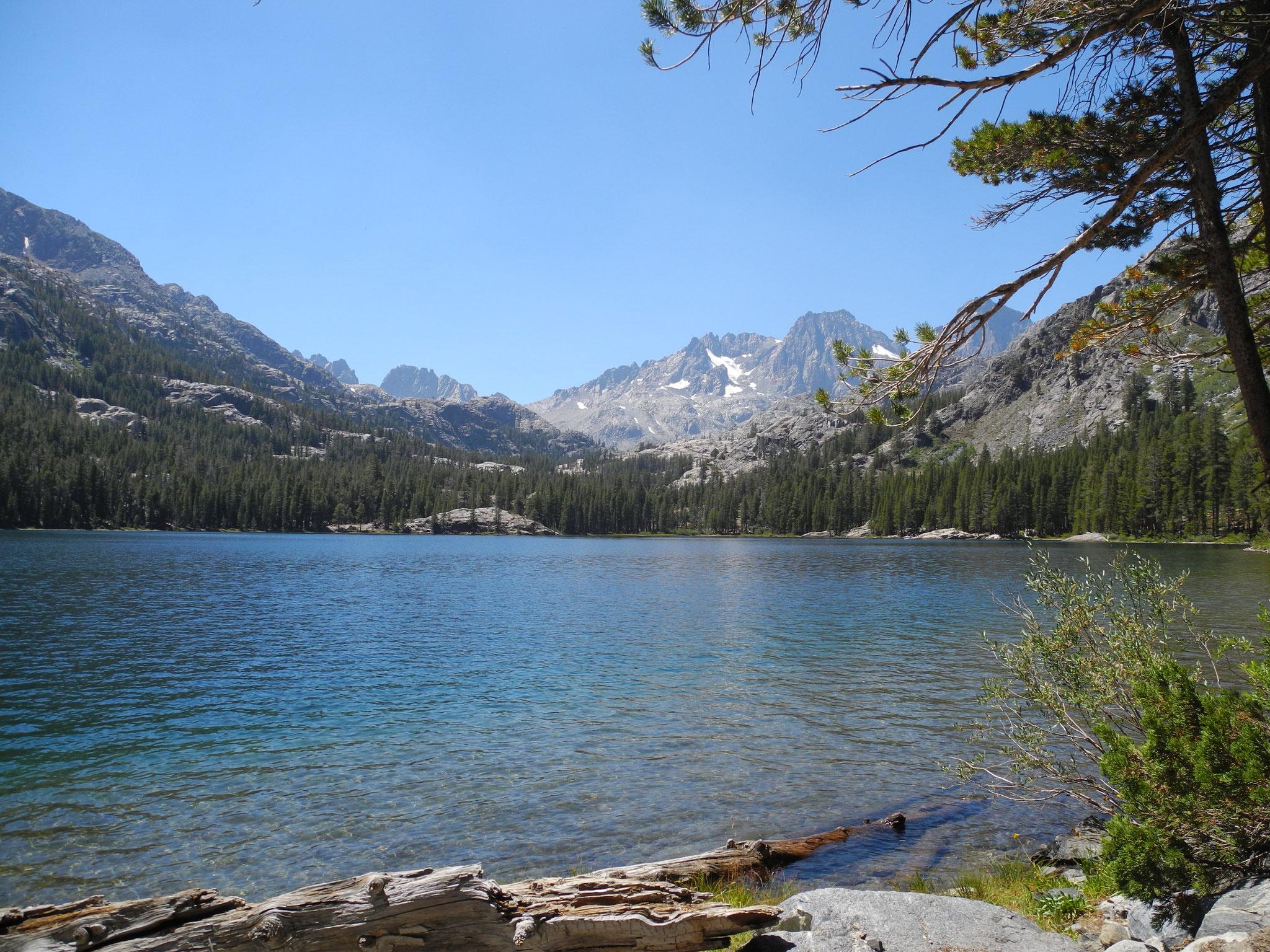 Die erste Pause am Shadow Lake, ein wunderbar gelegener See.