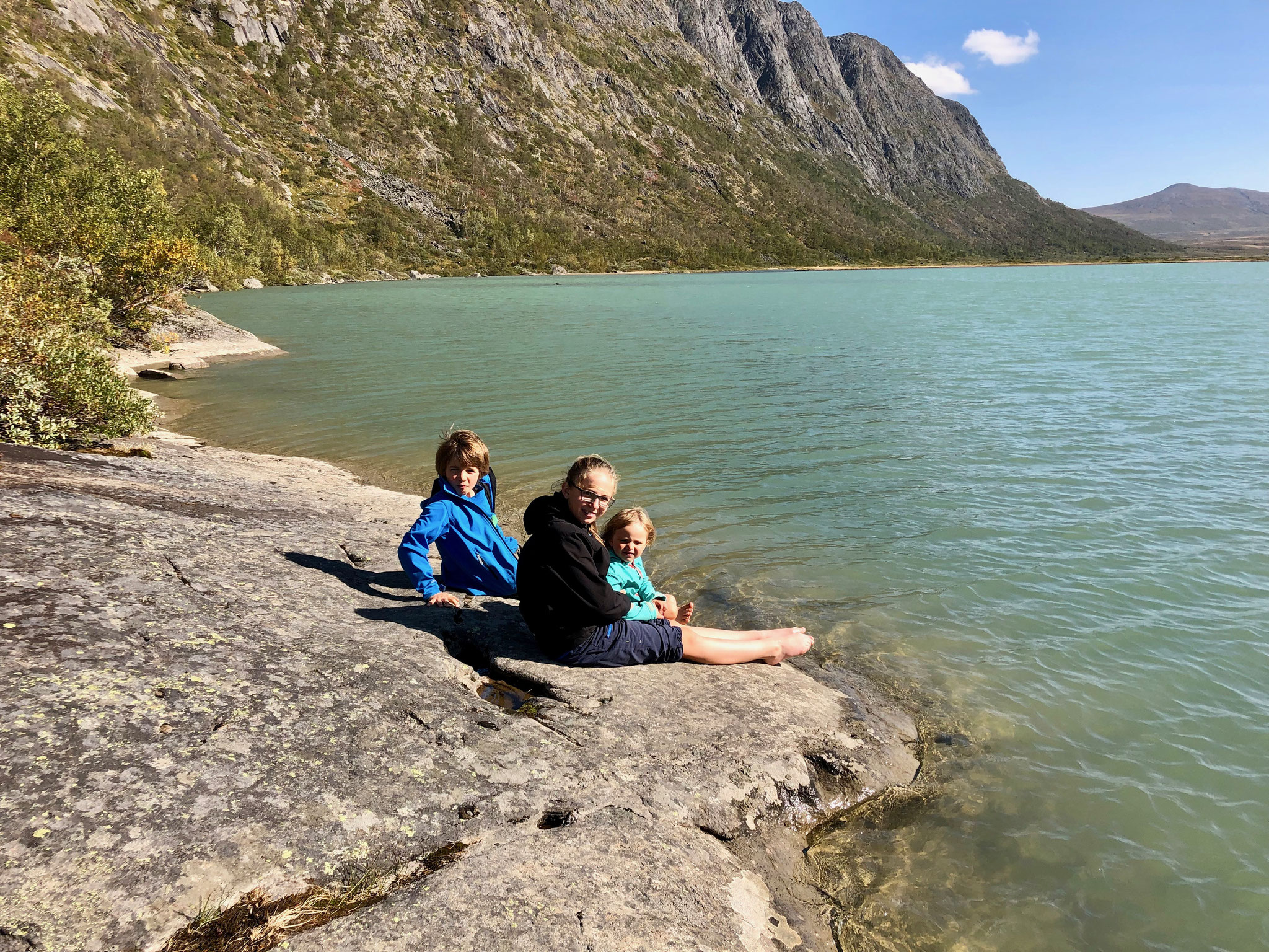 Es war ein super warmer Tag aber das Wasser war sehr kalt.