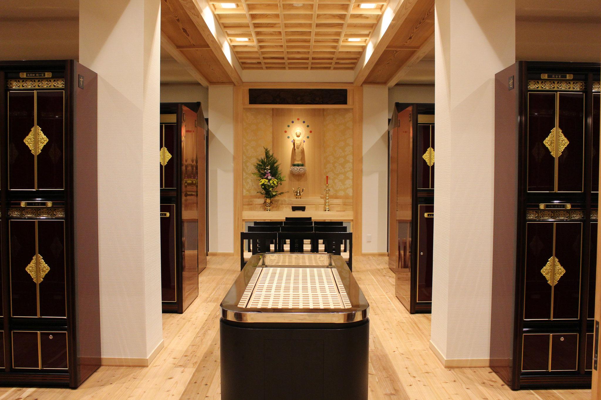 長福寺納骨堂2階
