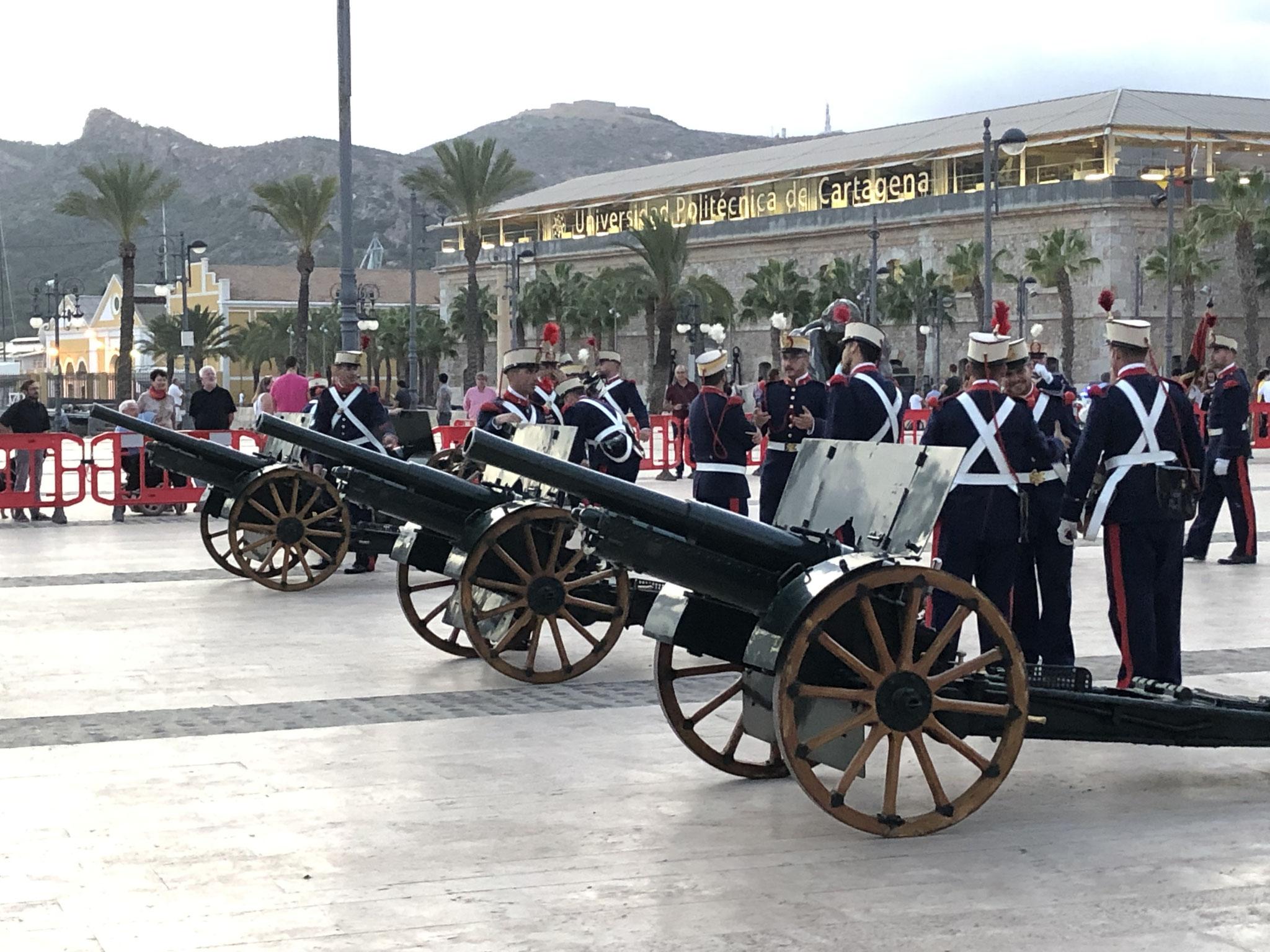 Anlässlich des Spanischen Nationalfeiertages am 12. Oktober ein paar Böllerschüsse...
