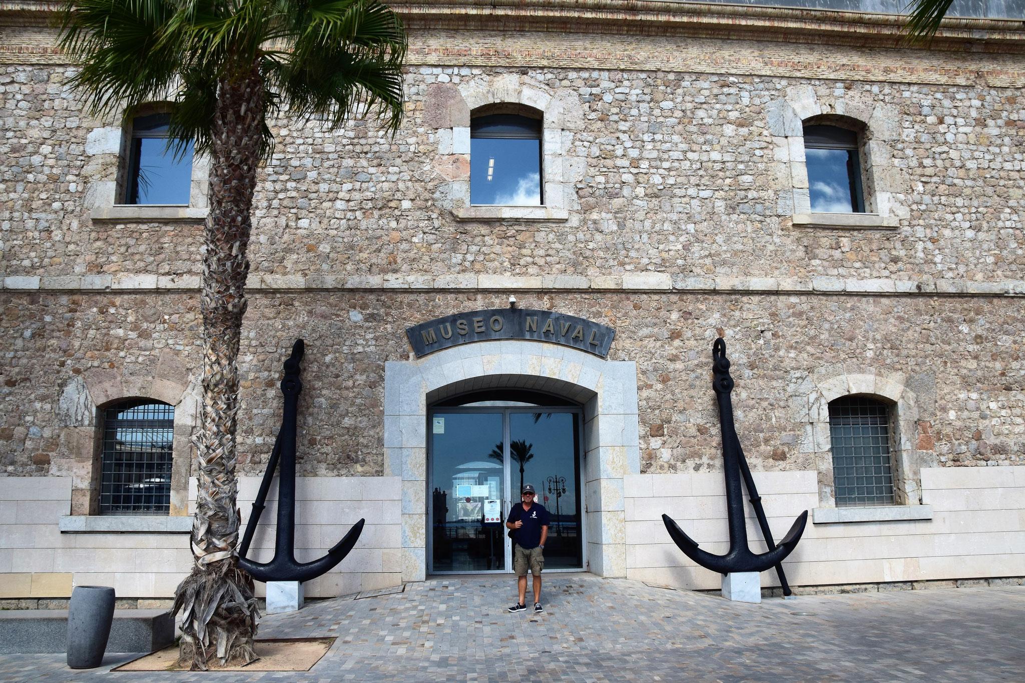 Eingang zum Marinemuseum