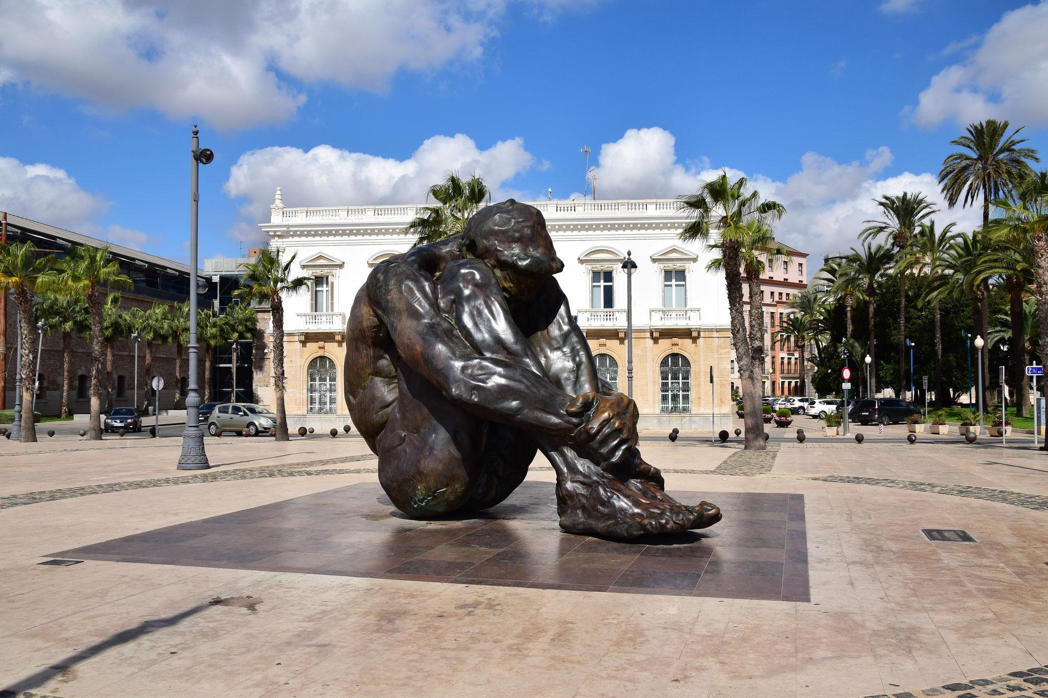 """Bronzeskulptur """"El Zulo"""" - als Hommage an die Opfer des Terrorismus"""