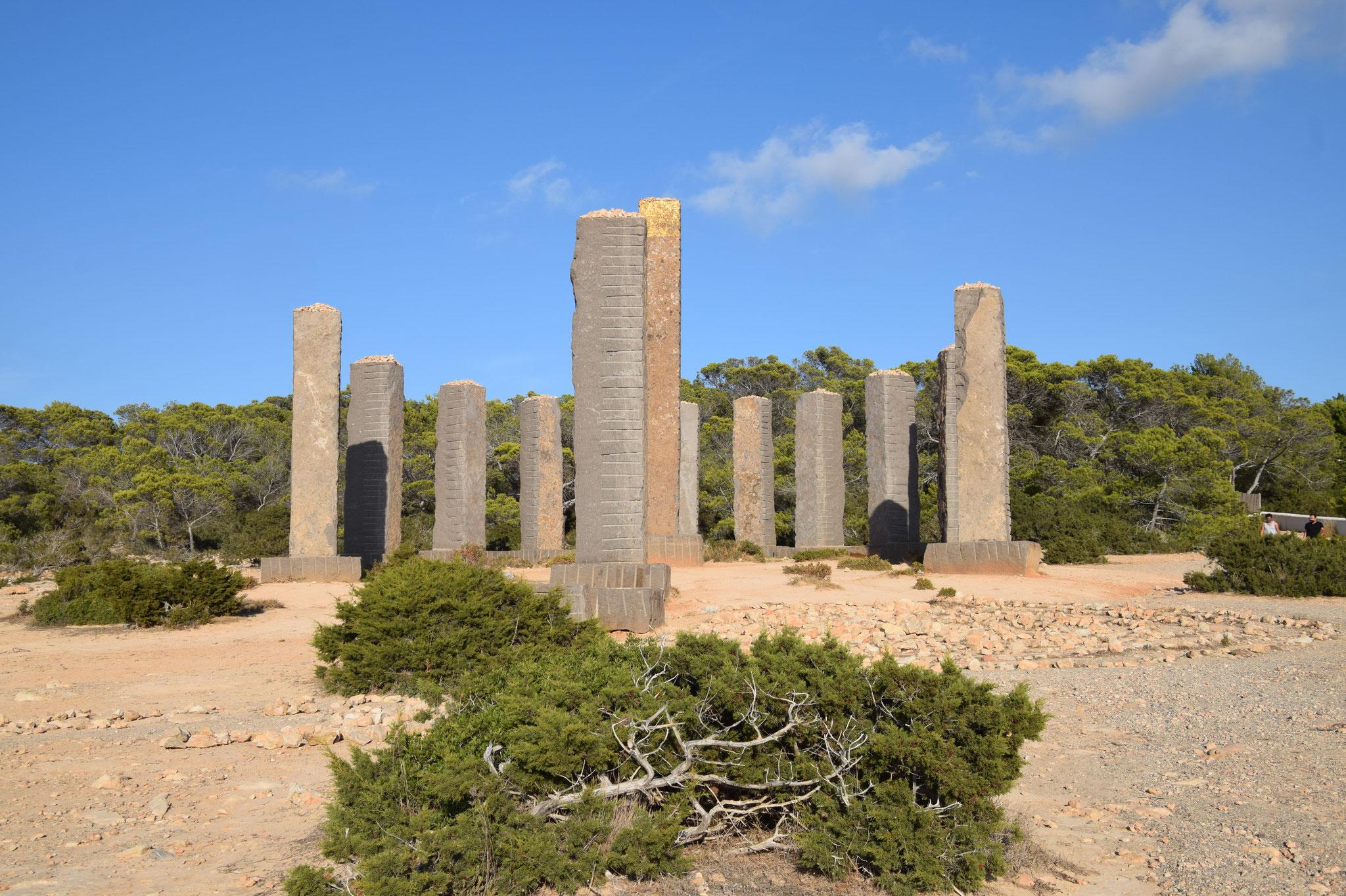 """""""Time & Space"""" - der magische Steinkreis, """"Stonehenge Ibizas"""" auf dem Grundstück des """"Cirque du Soleil""""-Gründers Guy Laliberté"""