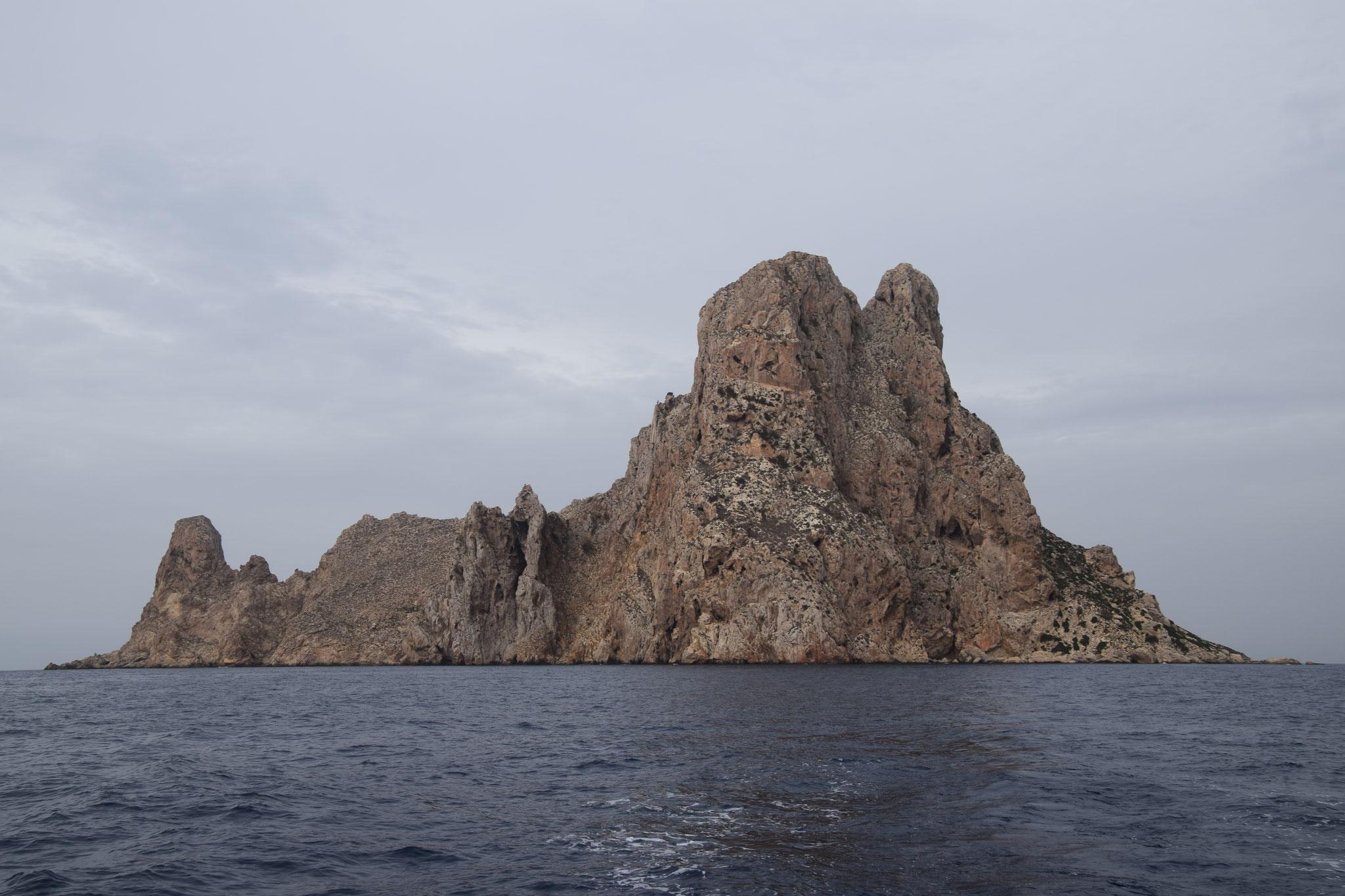 Um die Insel Es Vedrá ranken sich die Mythen:  Insel der Sirenen oder Reste der versunkenen Stadt Atlantis, UFO-Basis...