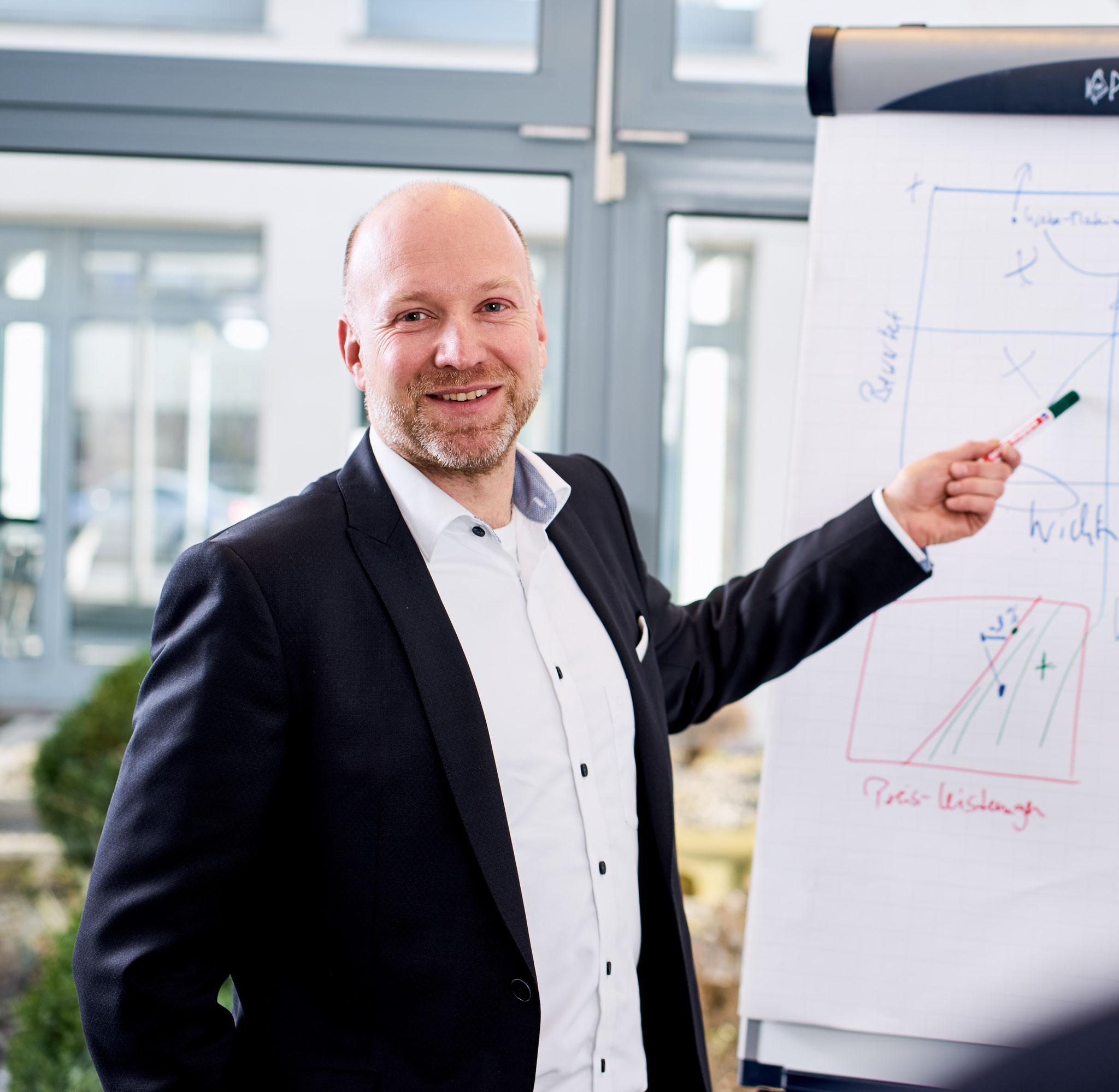 Dr. Jens Hartmann