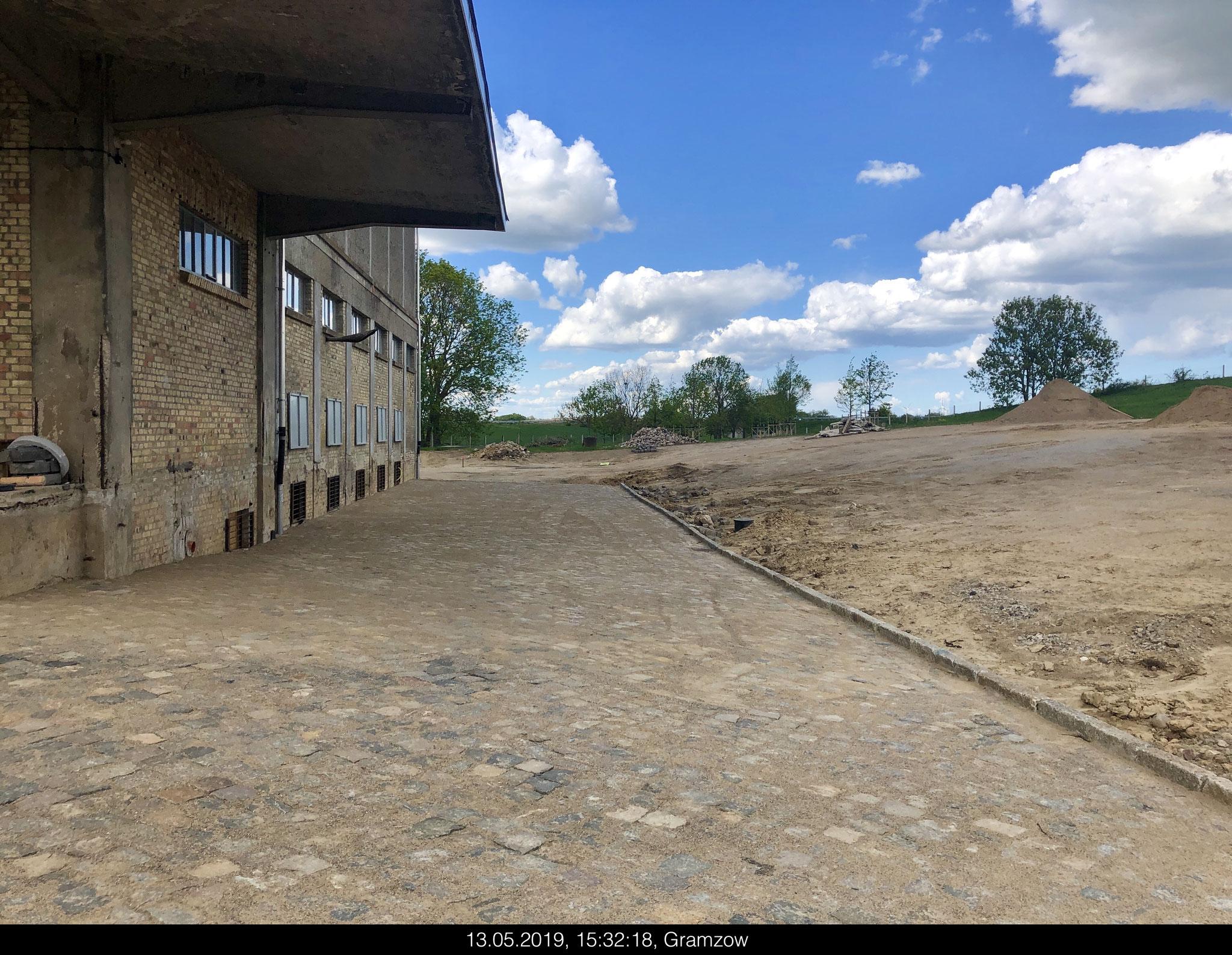 13. Mai 2019 Fertigstellung Pflaster + Bruchsand