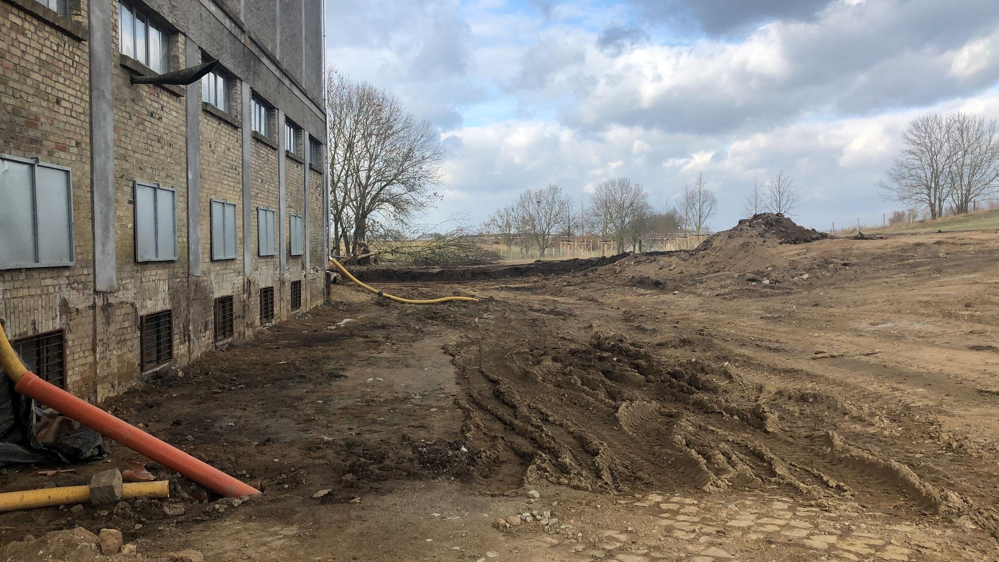10. März 2019, Die Vorbereitungen für die Freilegung der Außenwand sind abgeschlossen.