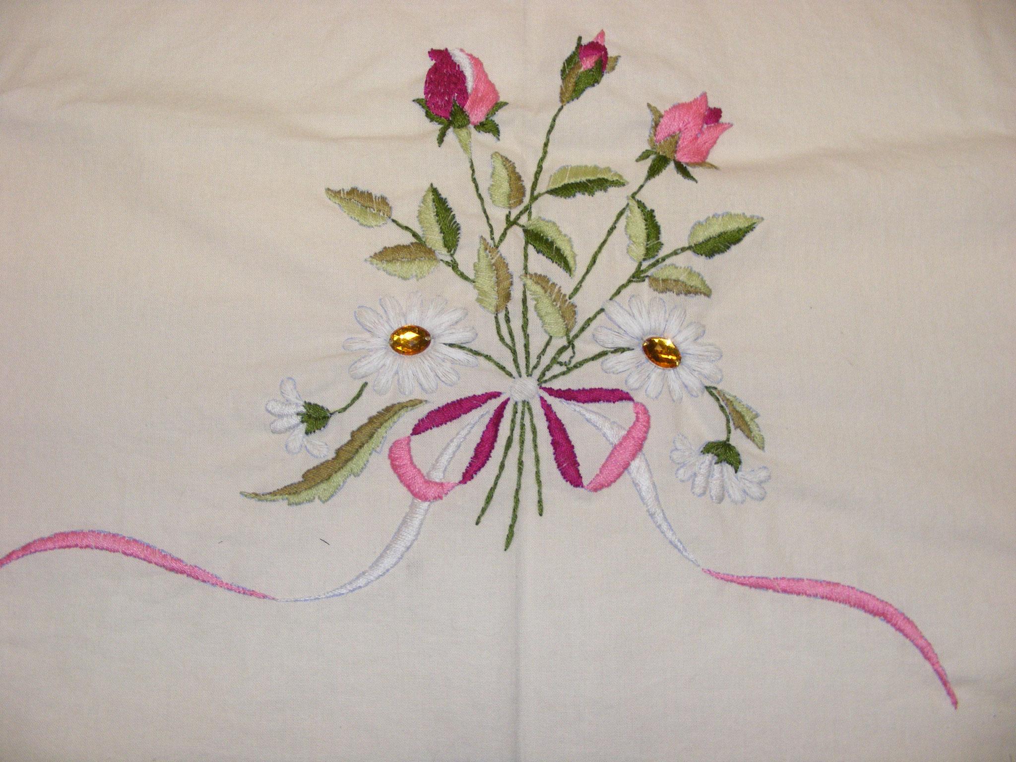 Strauß handgestickt für ein Kleid