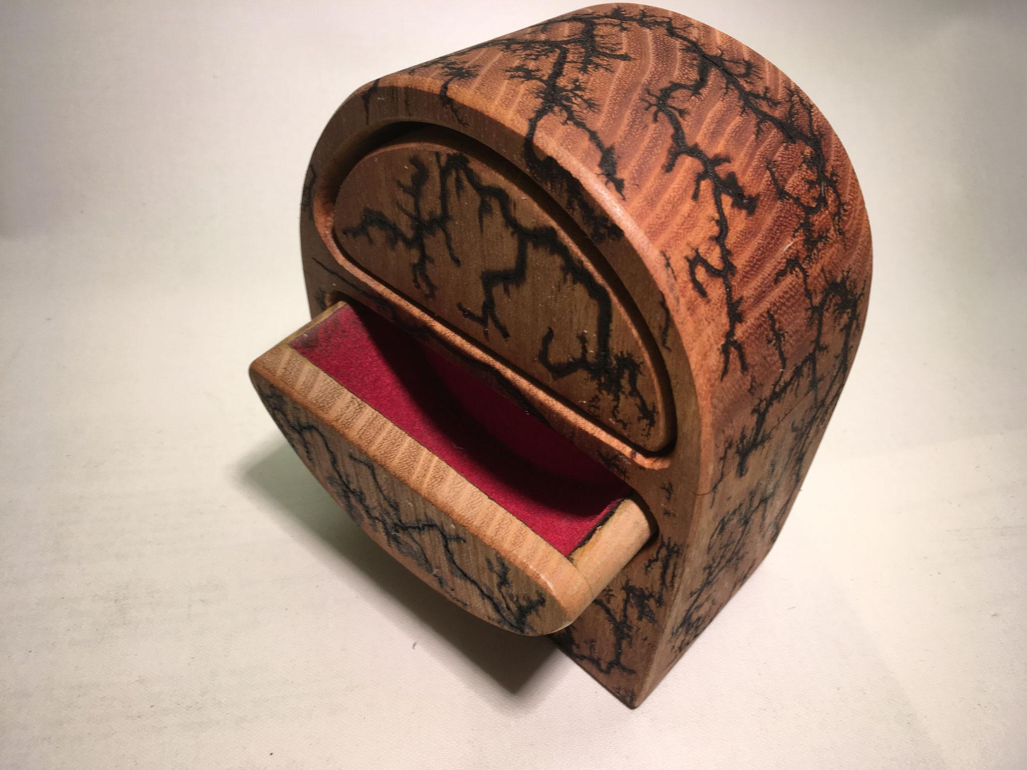Robinie-Box 3