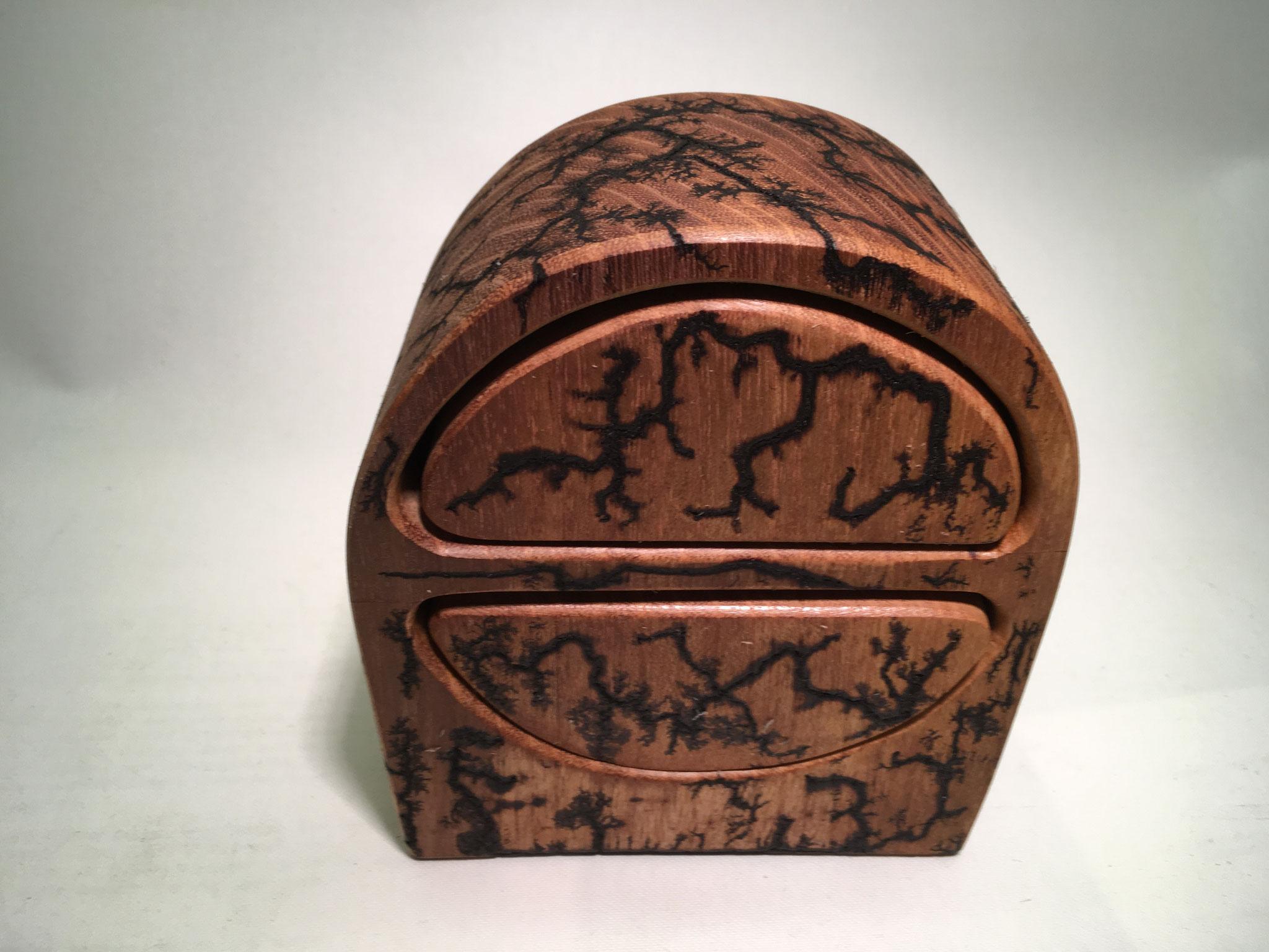 Robinie-Box 1