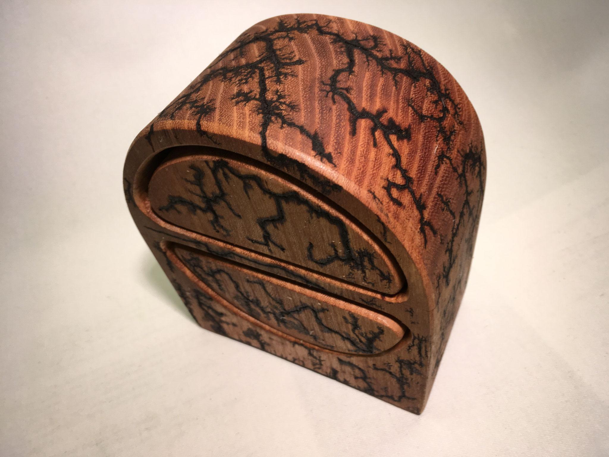 Robinie-Box 2