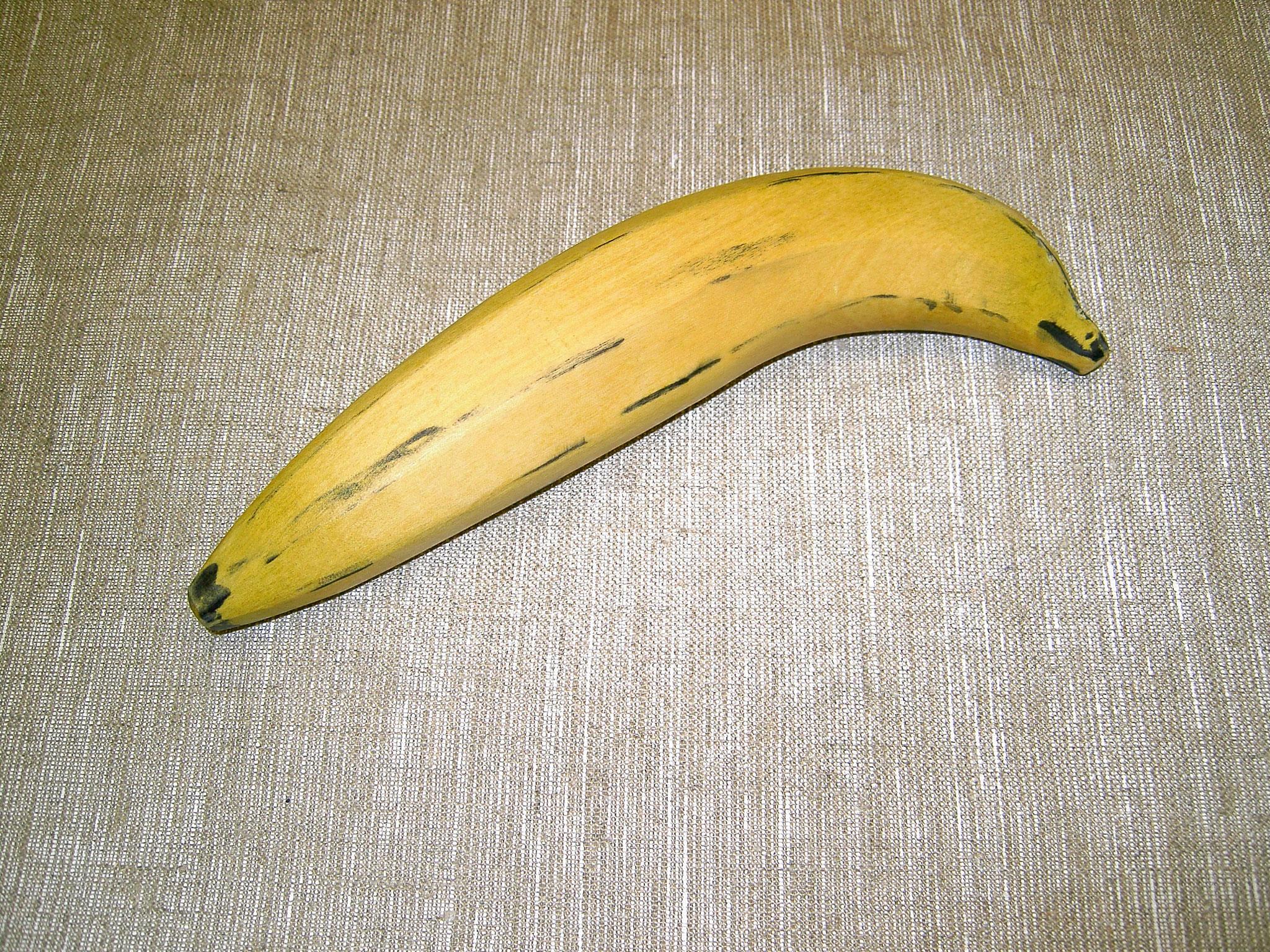 Banane aus Amarello mit Bandsäge und Schleifteller bearbeitet
