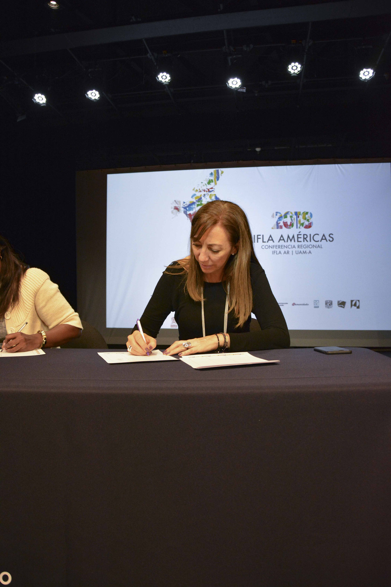Firma de la Carta del Paisaje de las Américas / Arq. Lorena Iturralde