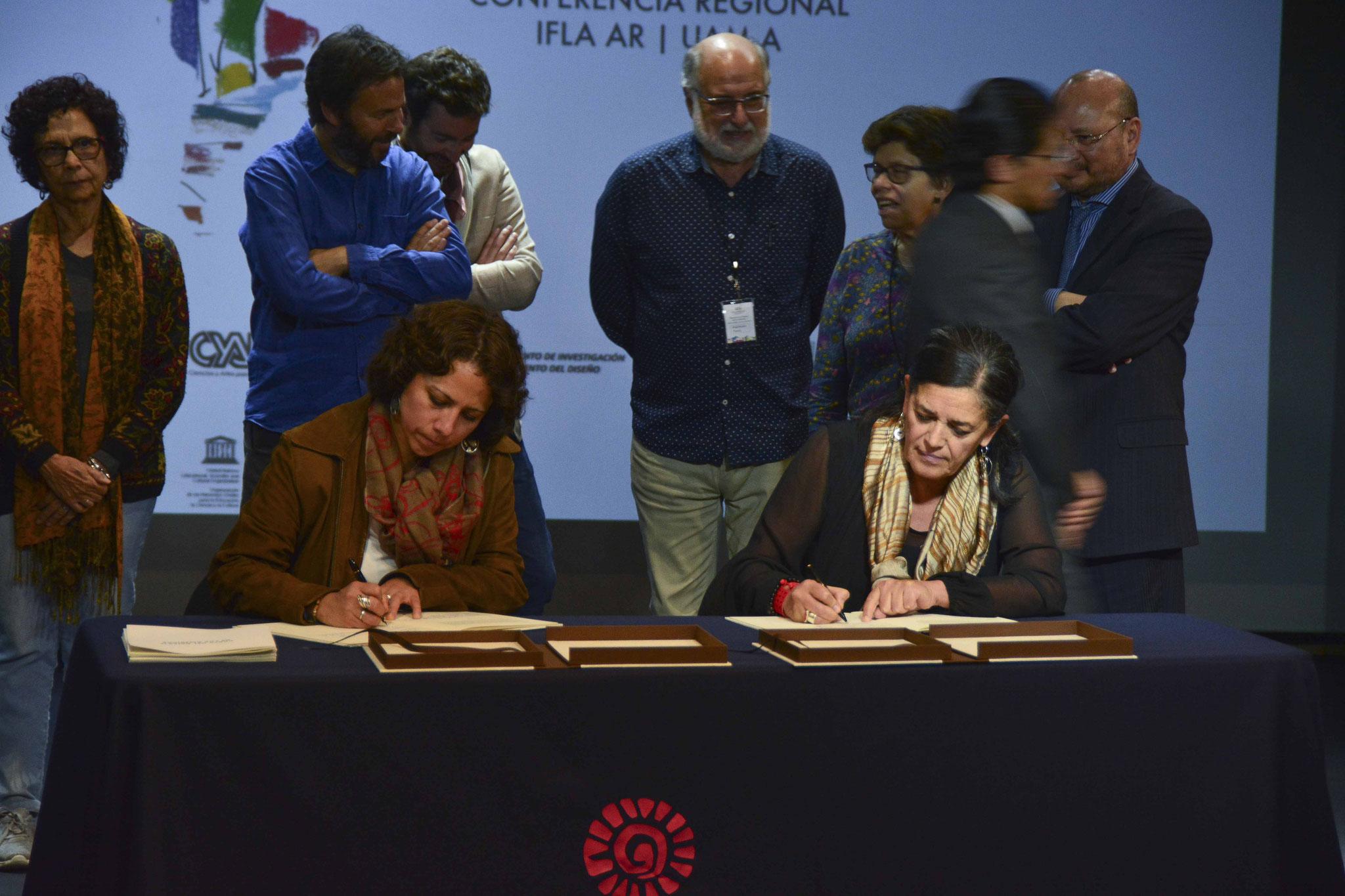 Firma de la Carta del Paisaje de las Américas / Mtra. Mónica Pallares, Arq. Psj. Raquel Peñalosa
