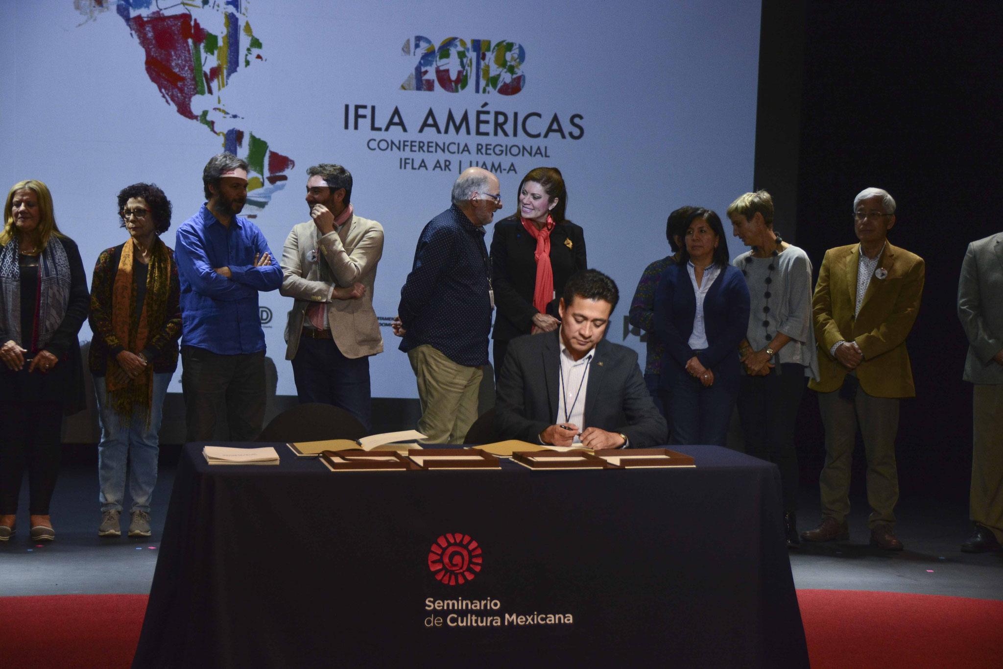 Firma de la Carta del Paisaje de las Américas / Mtro. Armando Alonso