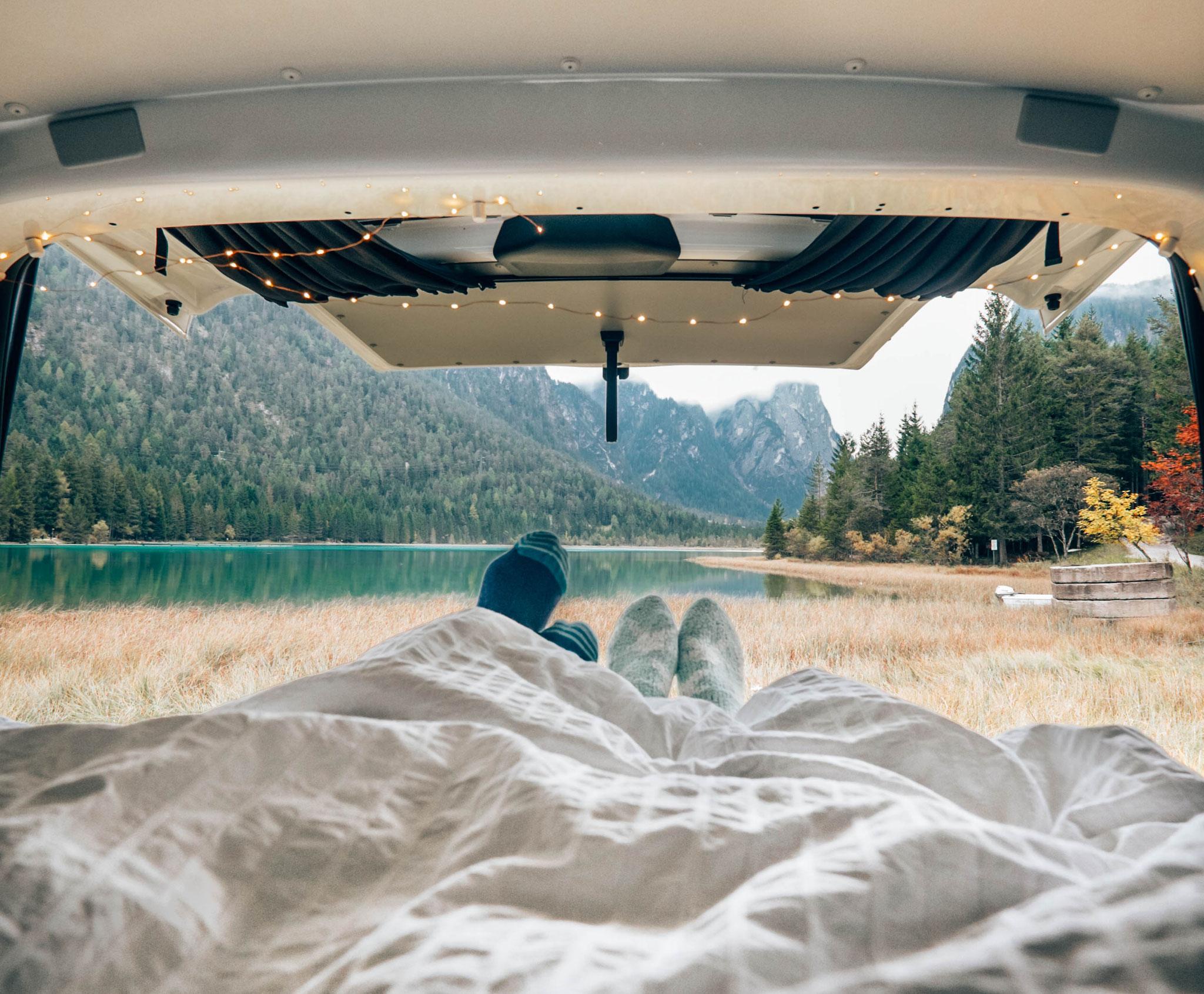 hundebox campingbus hundebox hundetransportbox f r skoda. Black Bedroom Furniture Sets. Home Design Ideas