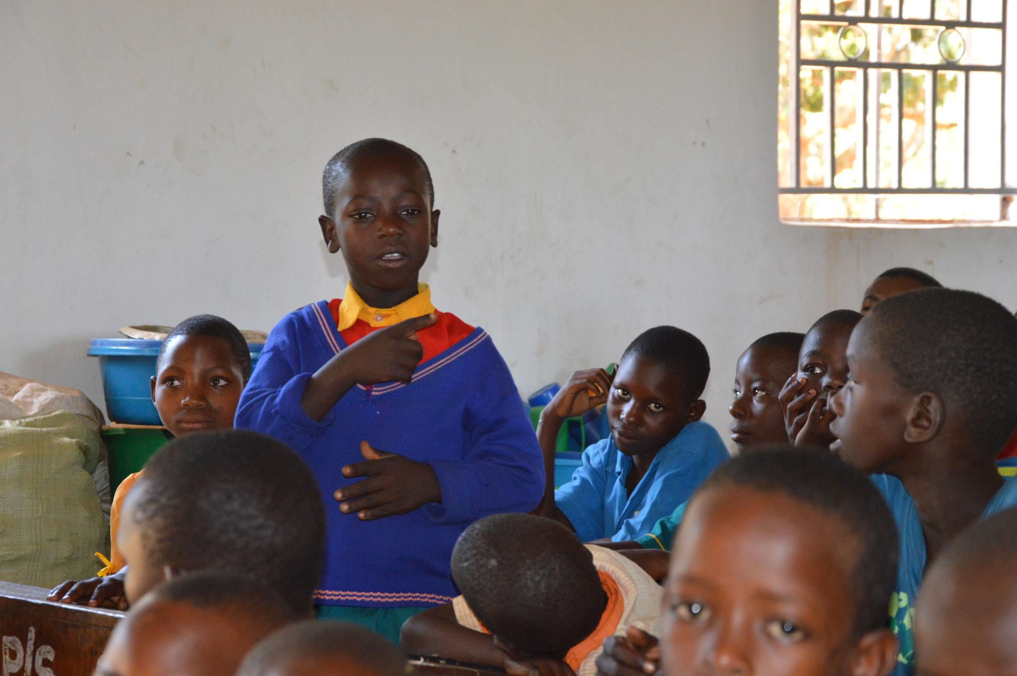 Ein Schüler berichtet über die Schule