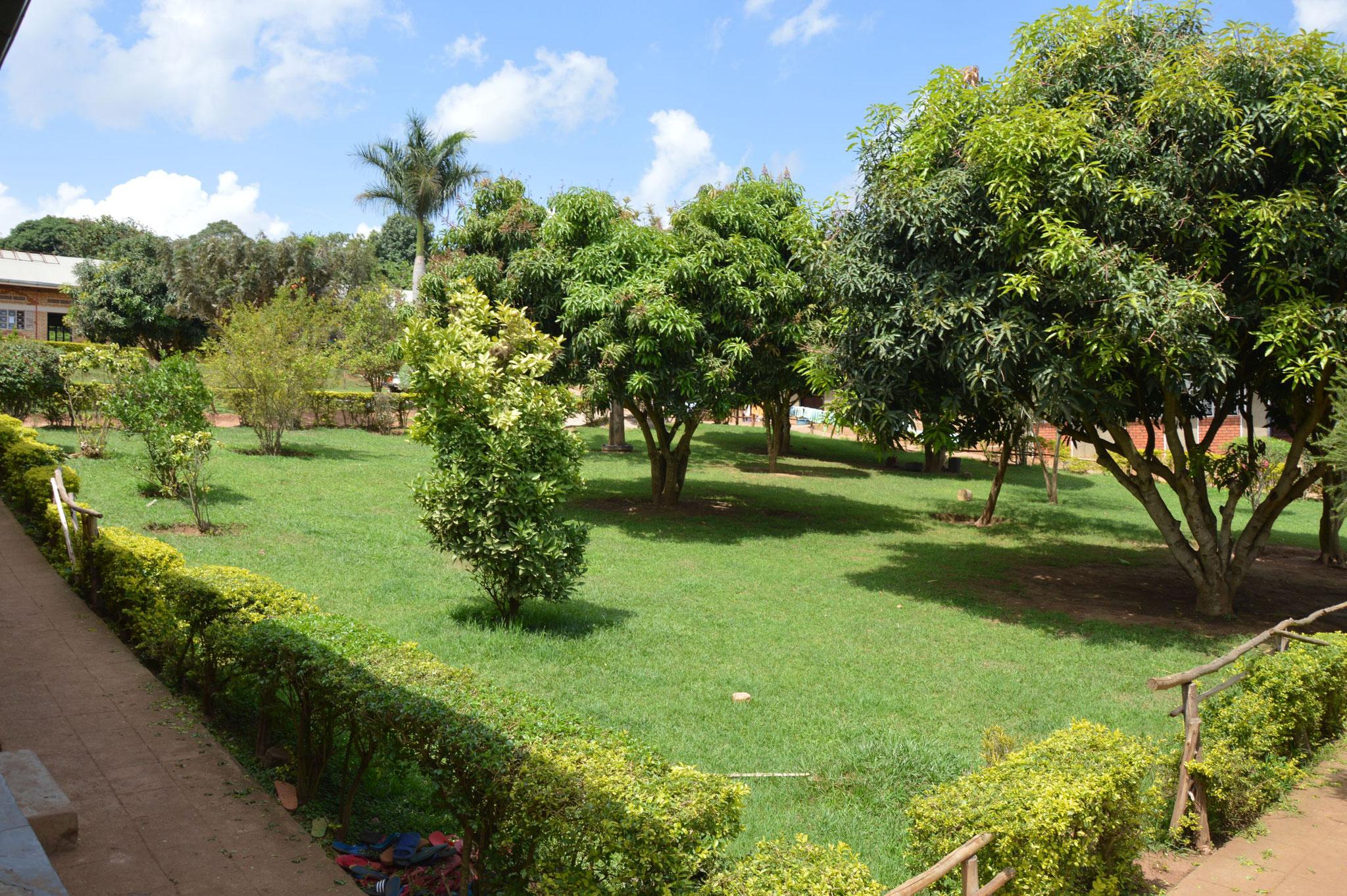 Schulgelände in Bwanda
