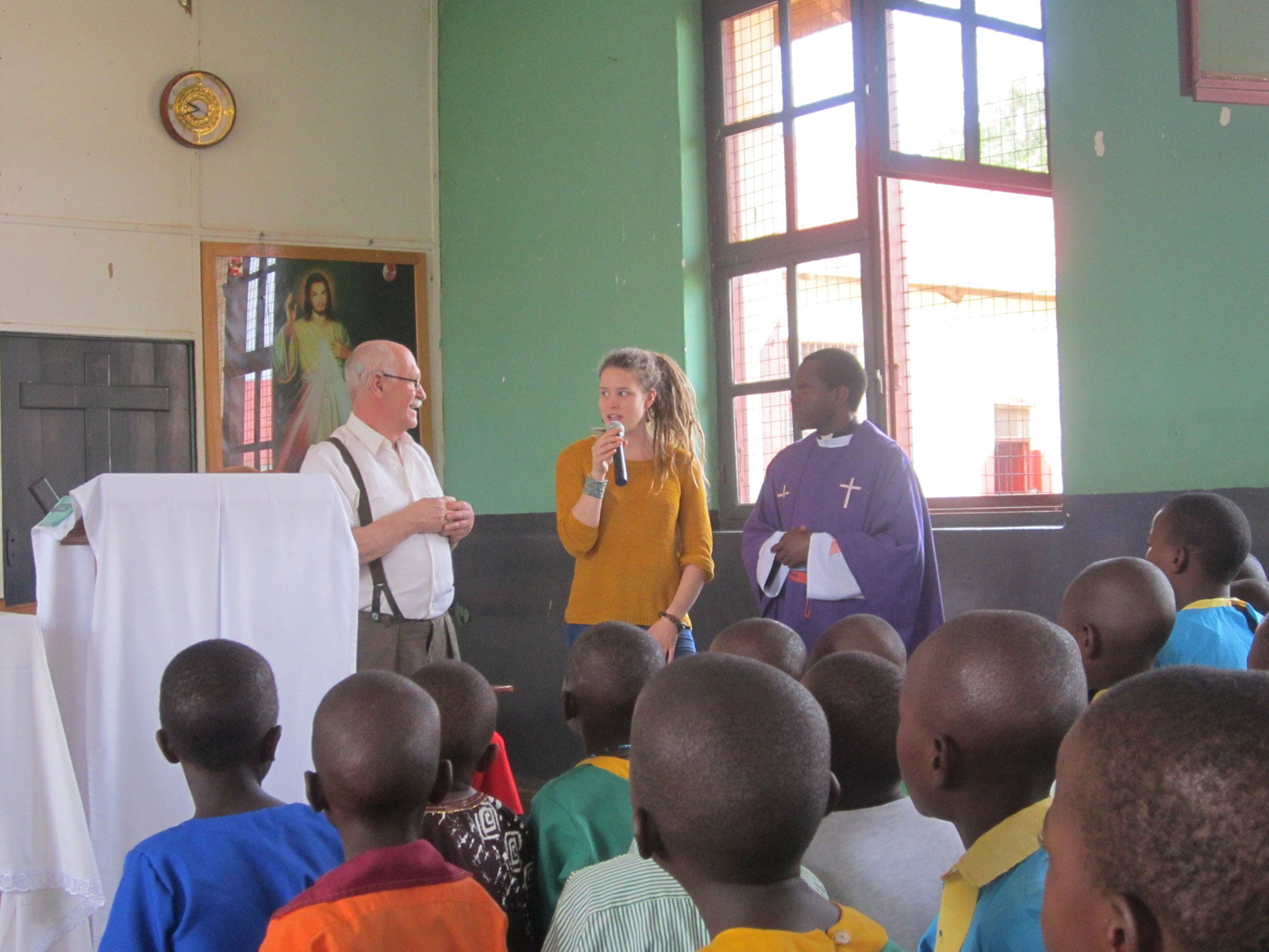 Gerhard bedankt sich für die Freundlichkeit in Bwanda