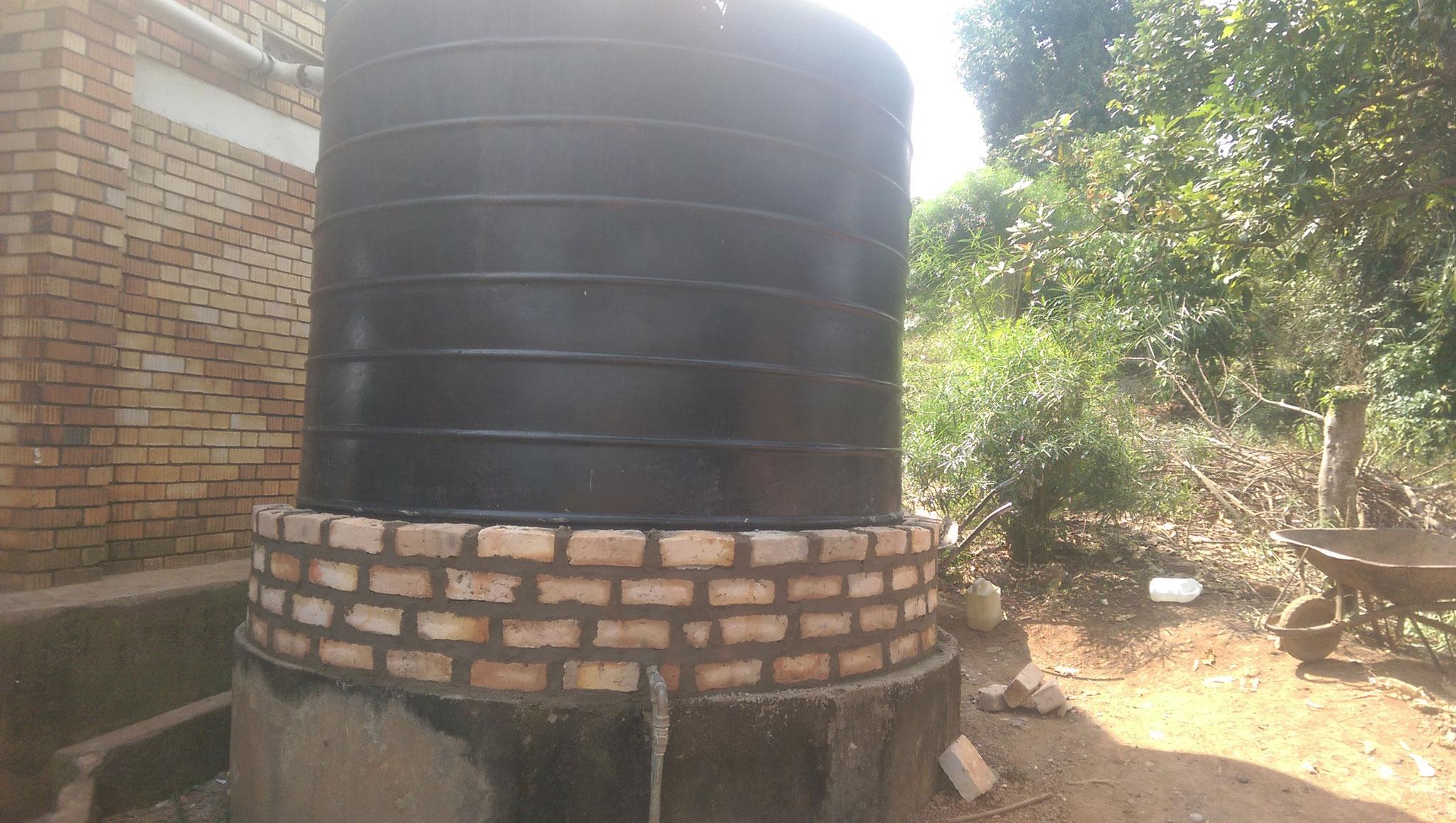Neue Mauer für den neuen Tank