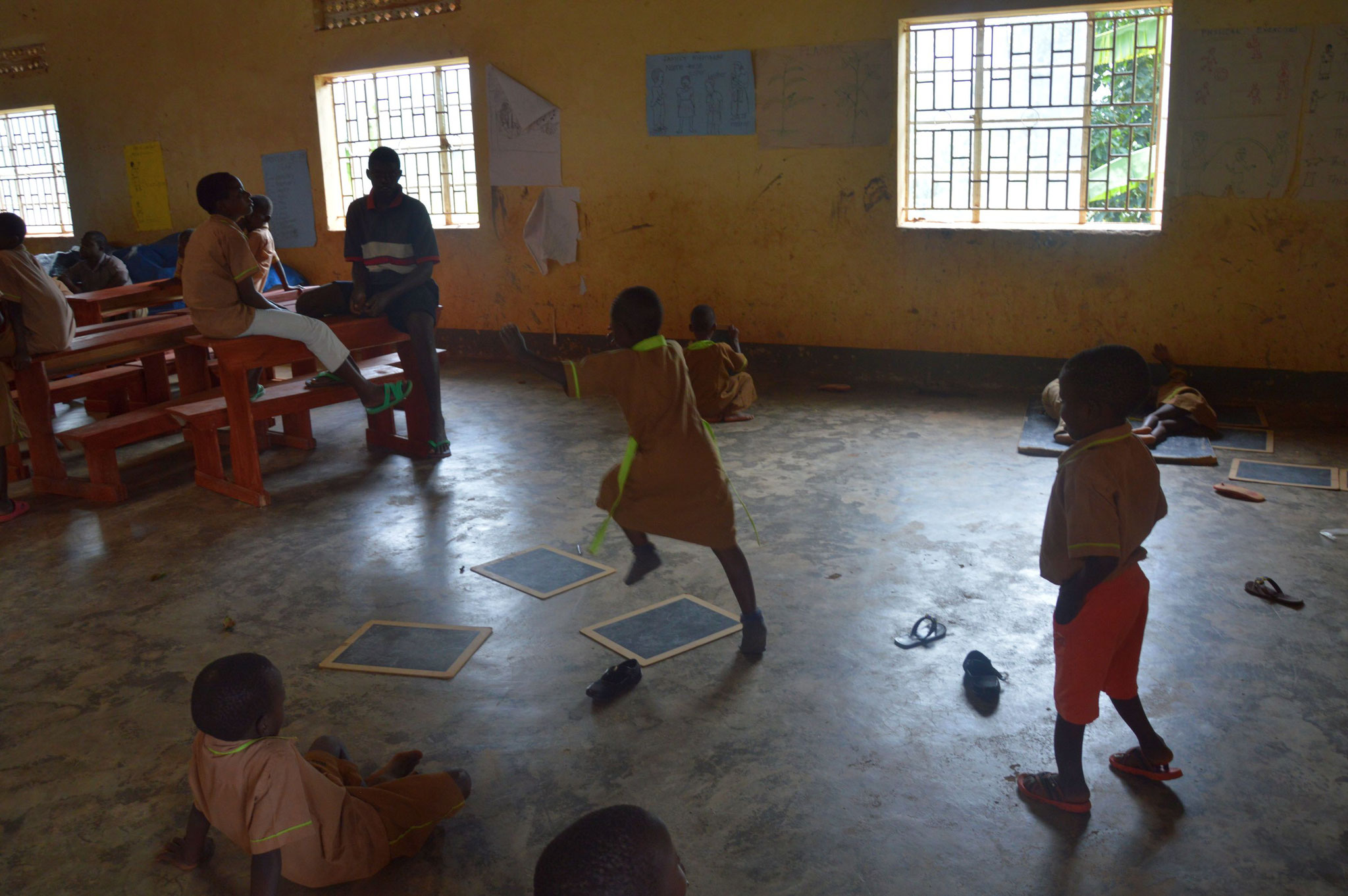 Nach dem Essen wird gespielt in Rwera/Ntungamo
