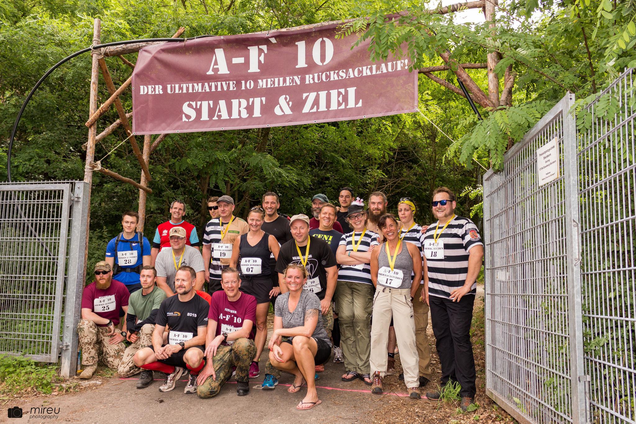 Foto aller Läuferinnen und Läufer.