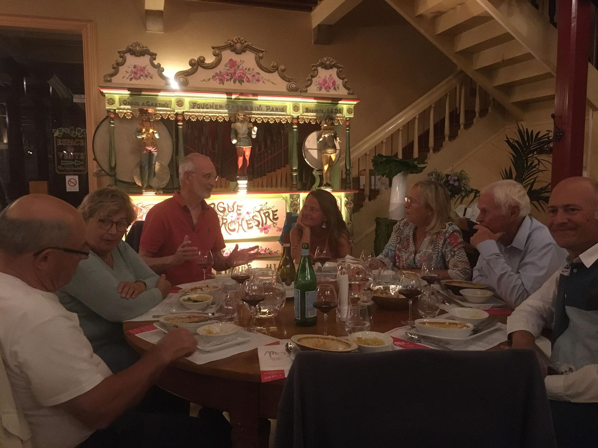 Un souper convivial, à la Maison Mâconnaise des Vins