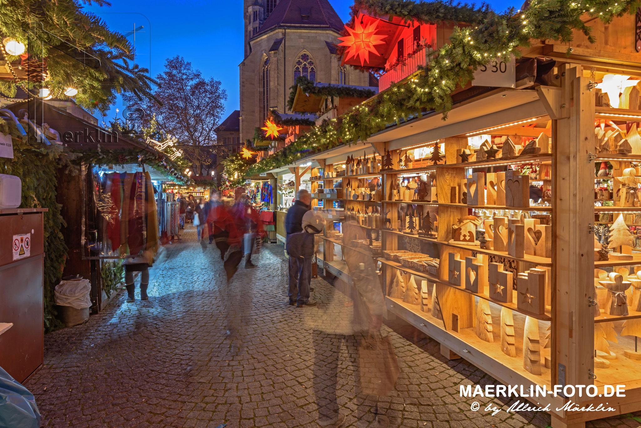 Weihnachtsmarkt in Stuttgart, Schillerplatz/Stiftskirche