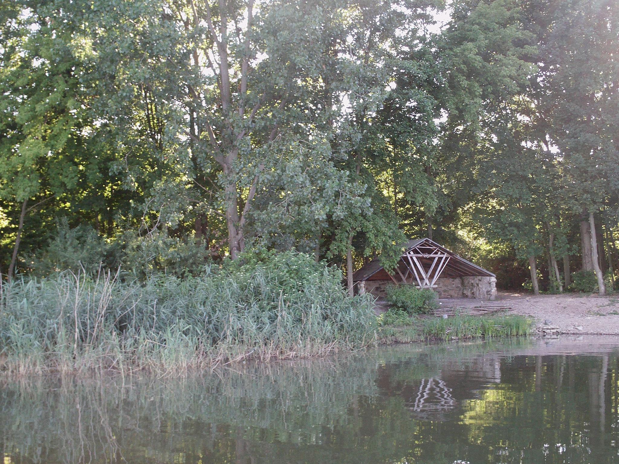 Schutzhütte an der letzten Angelstelle.