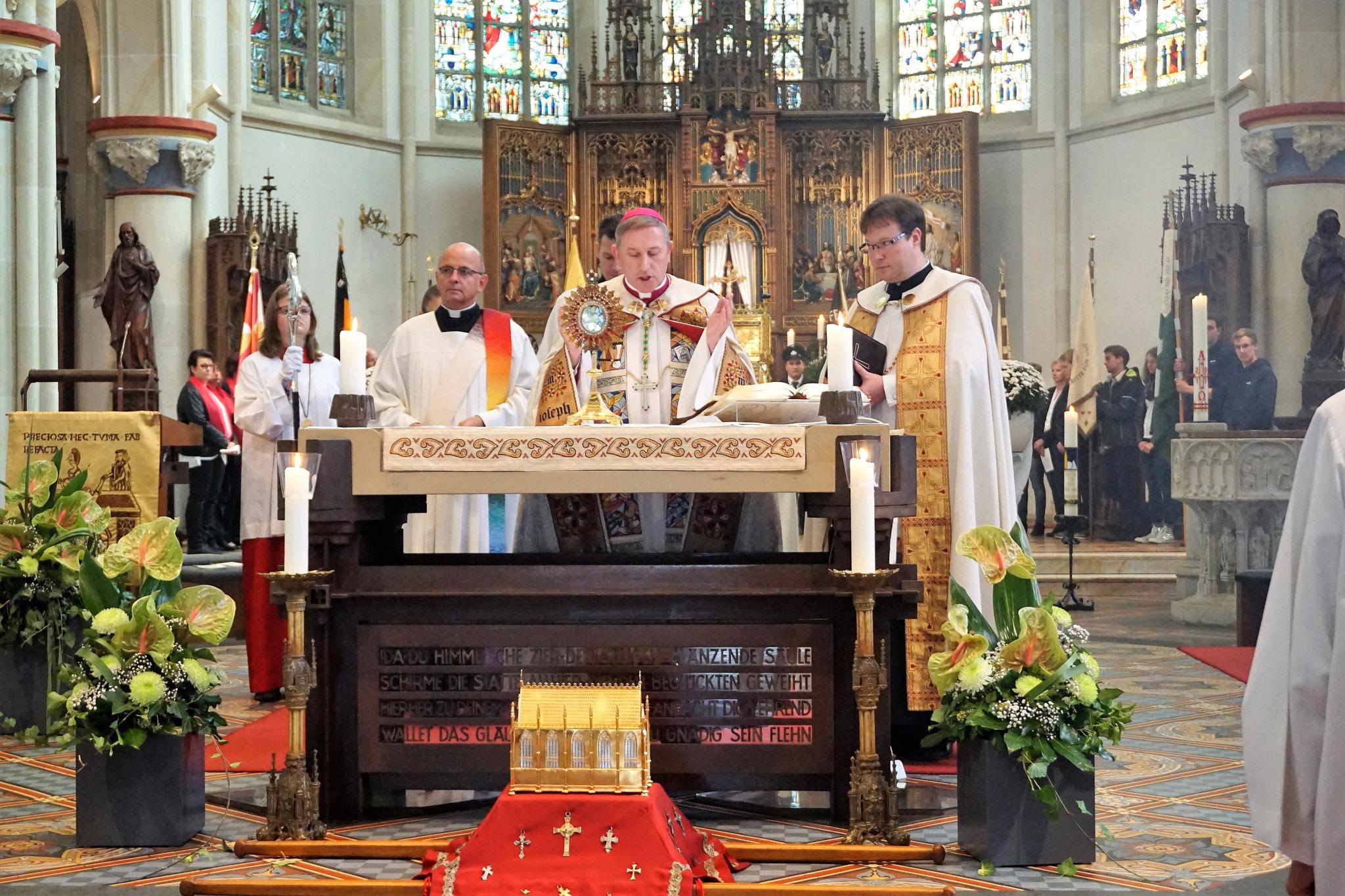 Schlusssegen in der Basilika