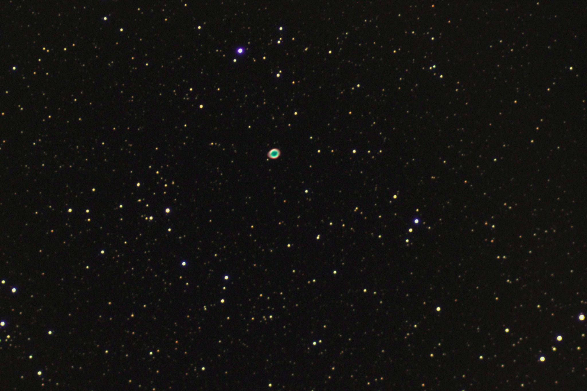 Anneau de la Lyre - M57 (28 poses 20 s à 800 iso - Loïc THULLIEZ- lunette achromatique 150/750 / HEQ5 motorisée non guidée/APN pentax K50  - traitement iris/lightroom)