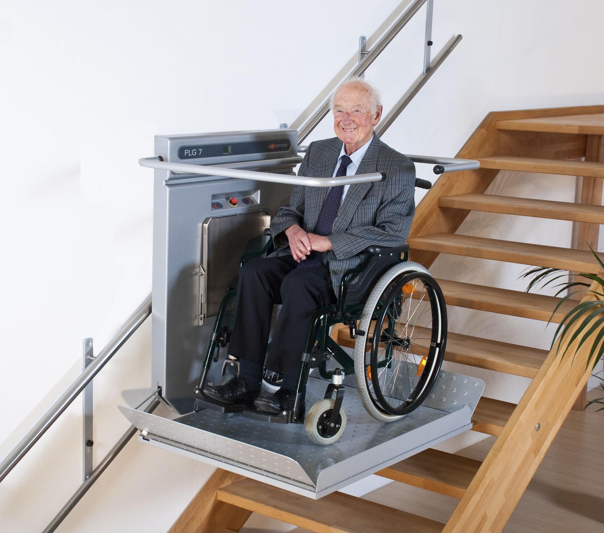 Plattformlift Ascendor PLG7 für Rollstuhlfahrer