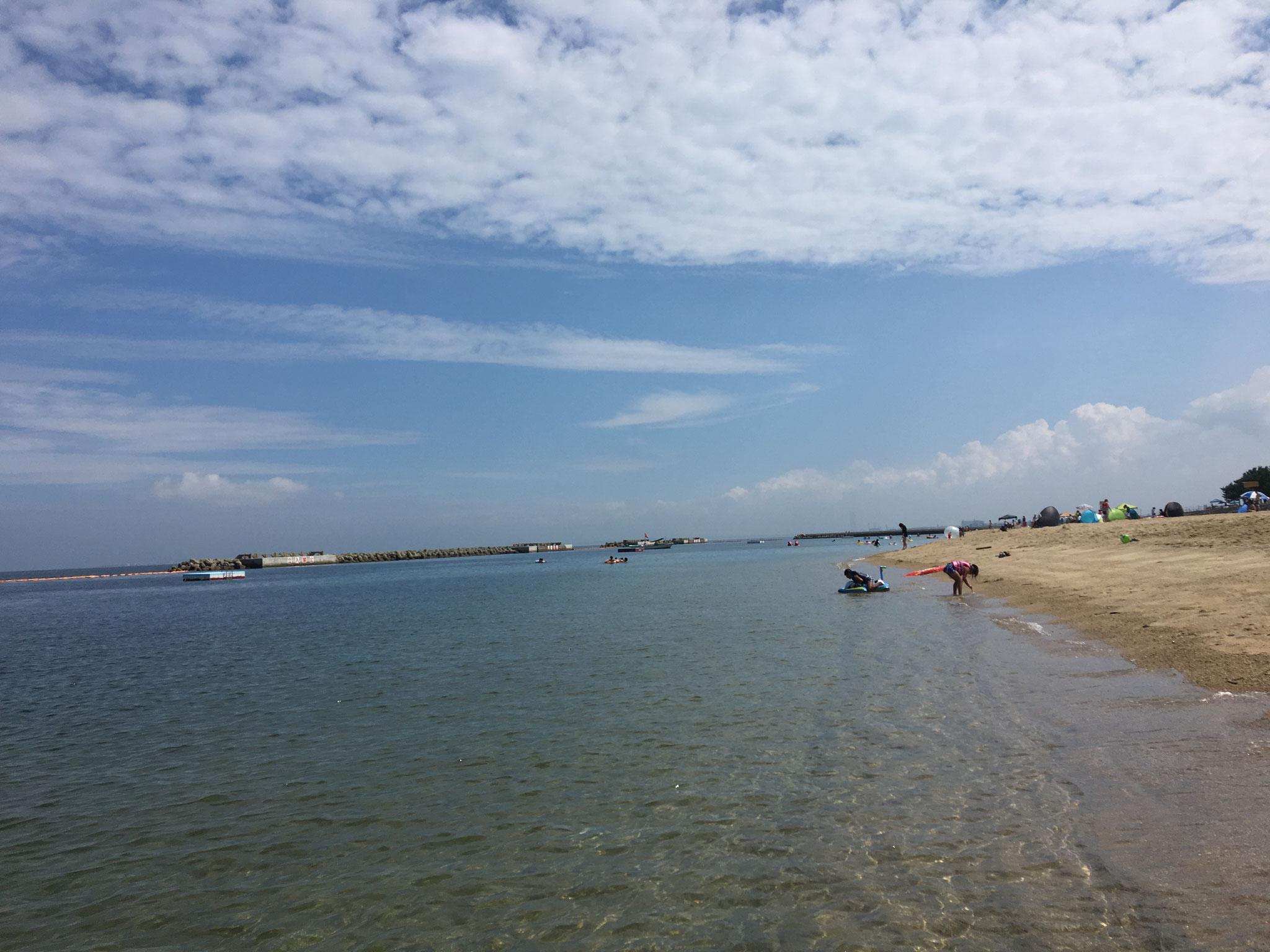 海水浴シーズンの海