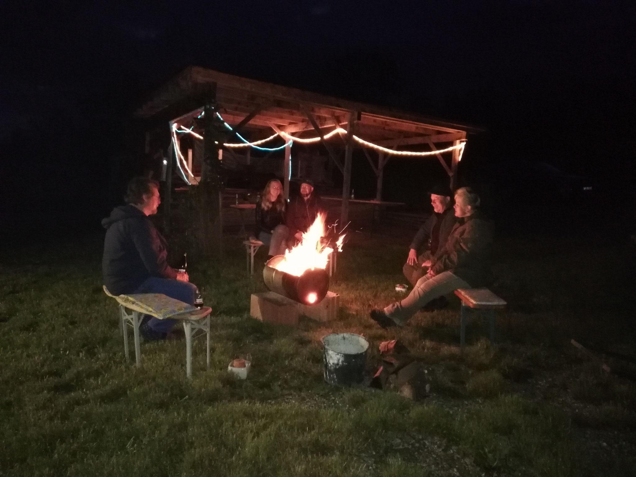 Gemütliche Abende am Feuer