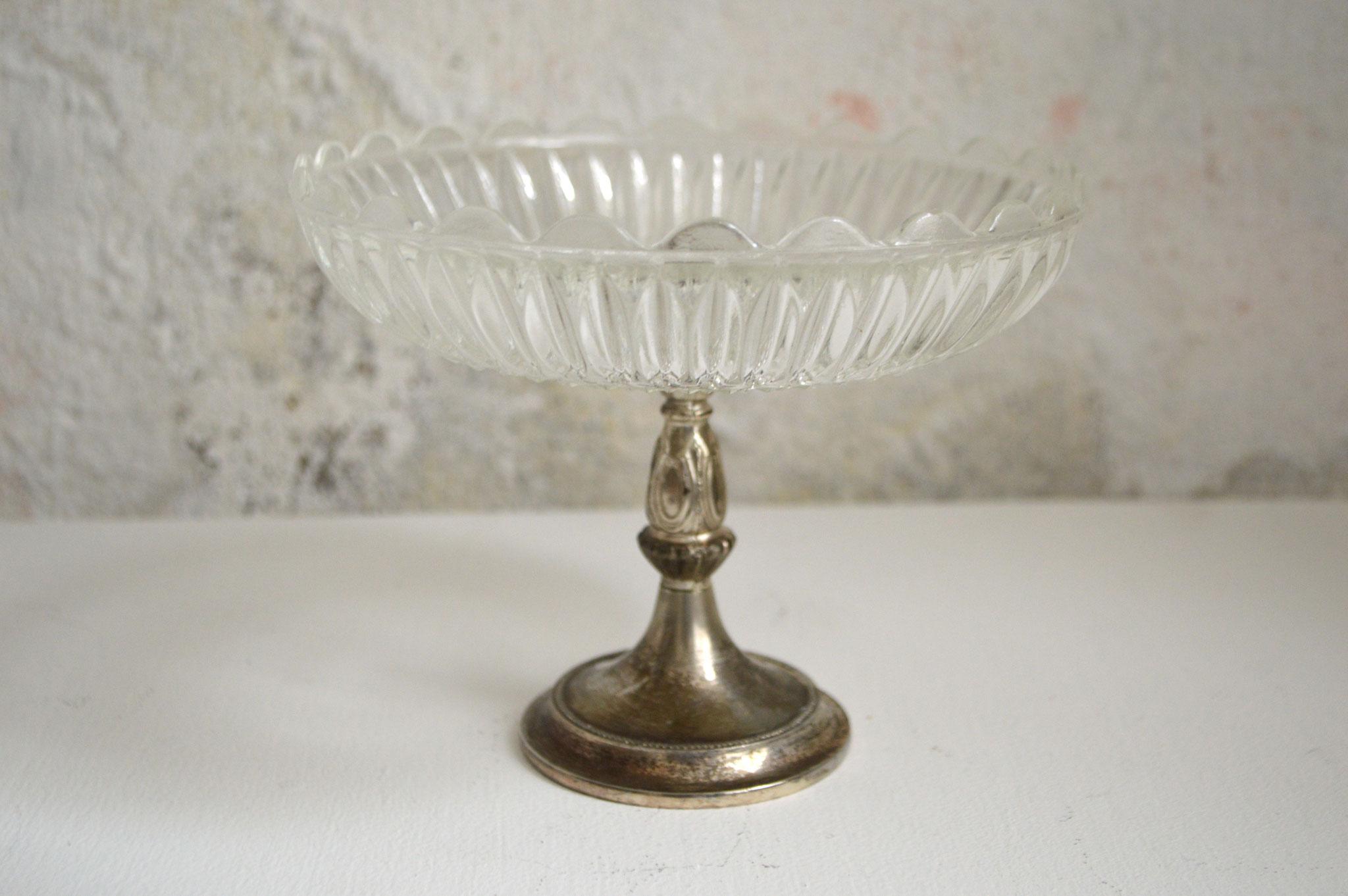 A) 4 Stück vorhanden; Sockel allerdings unterschiedliche Silbertöne; Höhe ca. 13 cm und Durchmesser ca. 16 cm
