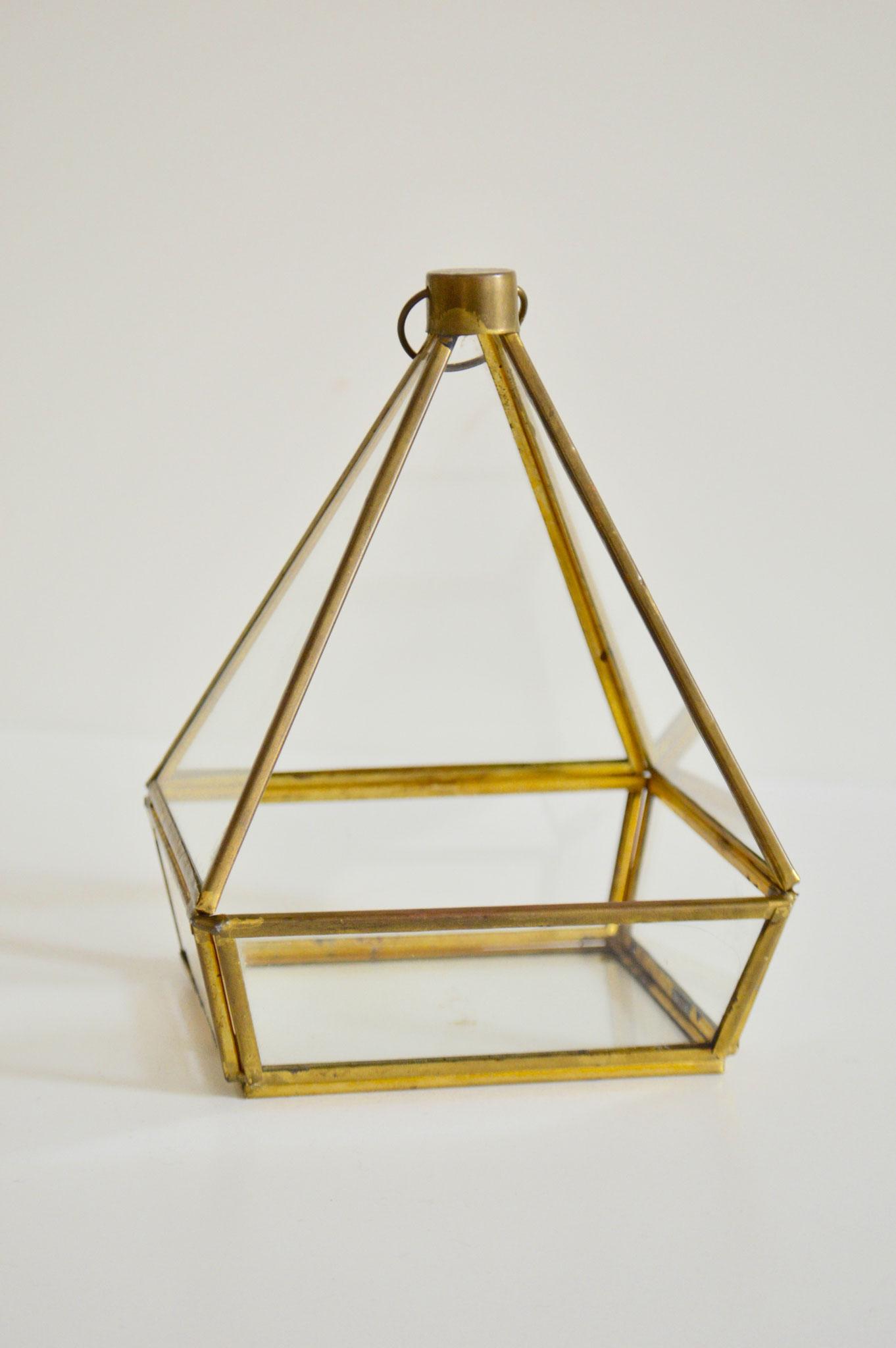 A) € 4, Einzelstück, Höhe ca. 15 cm, Breite ca. 12 cm