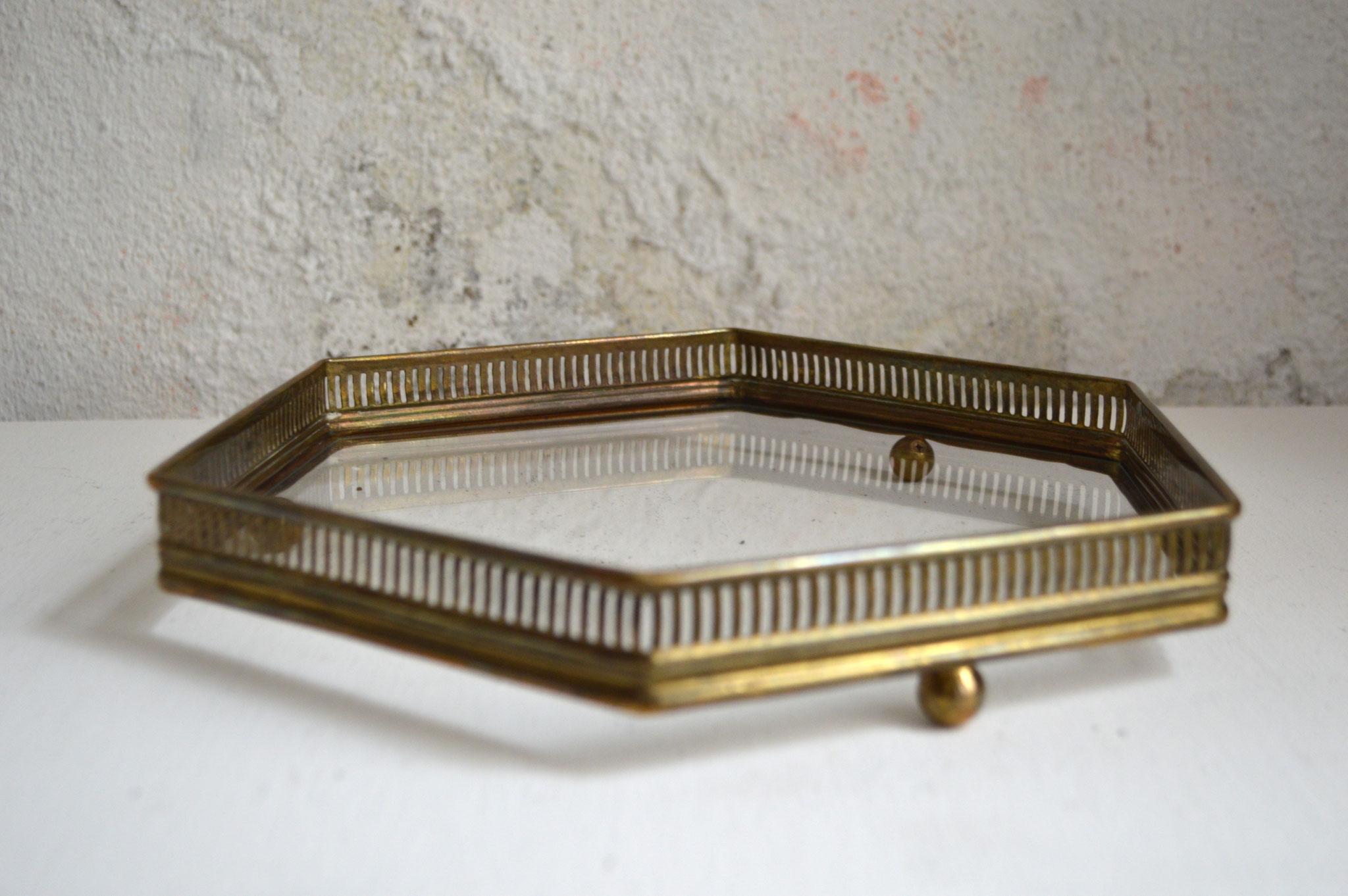 Goldenes Tablett