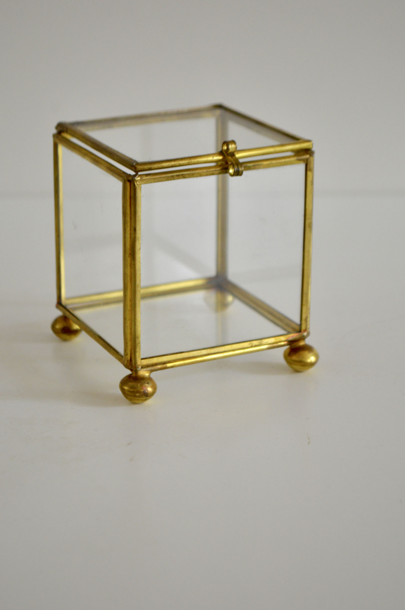 G) € 4, Höhe ca. 9 cm, Breite ca.  7,5 cm und Tiefe ca. 7,5 cm