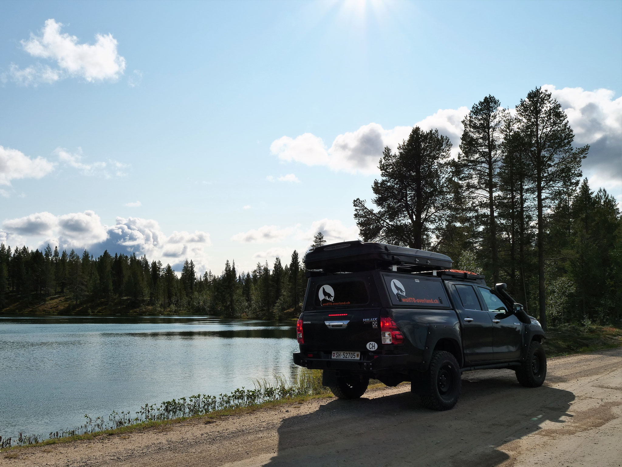Toyota Hilux Revo 2017 2.4 #ProjektBlackwolf Alu-cab offroad overland expedition 4x4 T-Max Hil-ift ARB Frontrunner Rocksliders Roofrack James Baroud Discovery Awining Markisewolf78-overland.ch