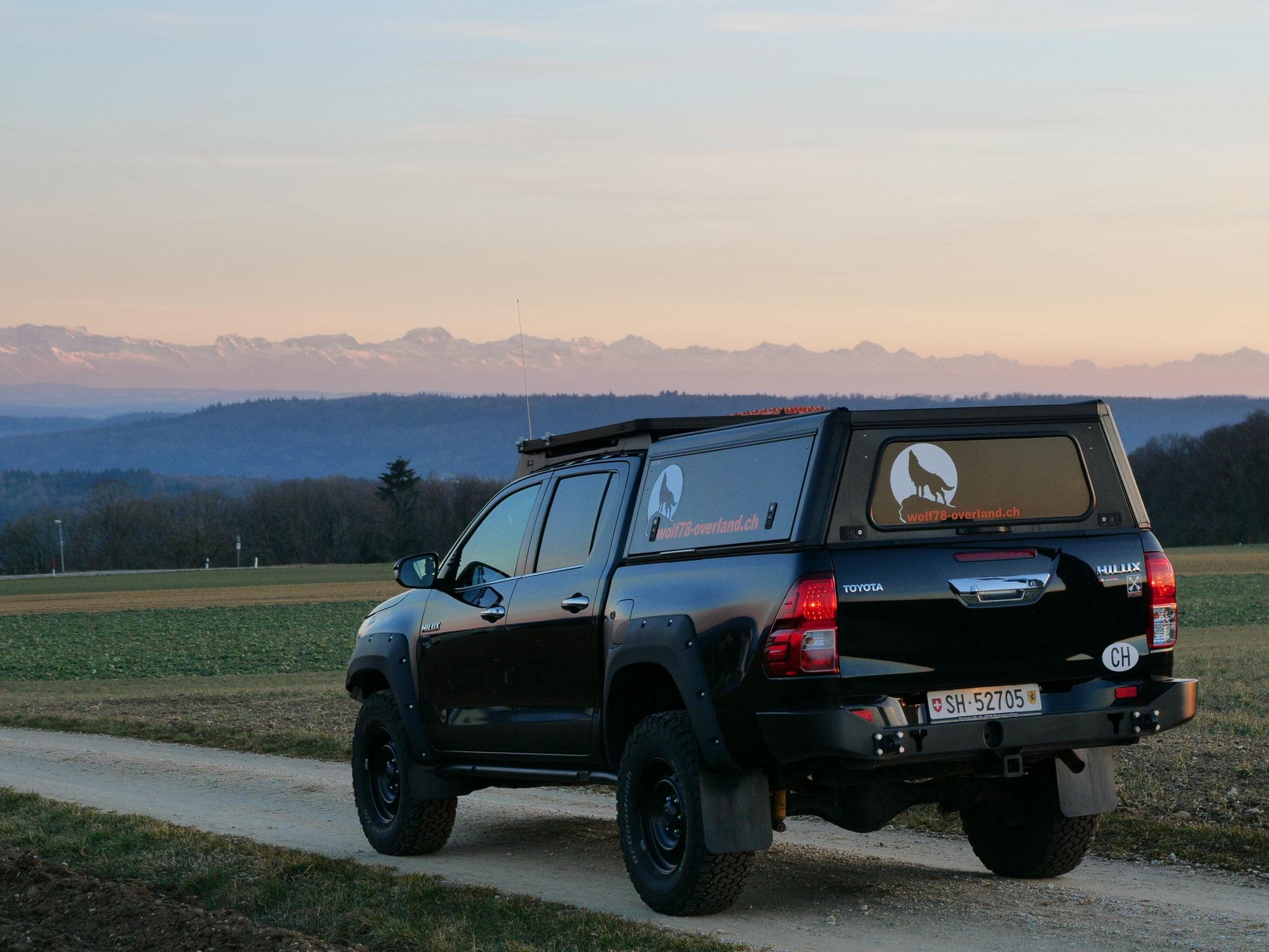 "Toyota Hilux Revo 2017 2.4 #ProjektBlackwolf Alu-cab offroad overland expedition 4x4  ARB Frontrunner Rocksliders Roofrack Rival skidplate James Baroud Discovery Awining Markise bfgoodrich 285/70R17 33"" Tires TJM Sknorkel wolf78-overland.ch"