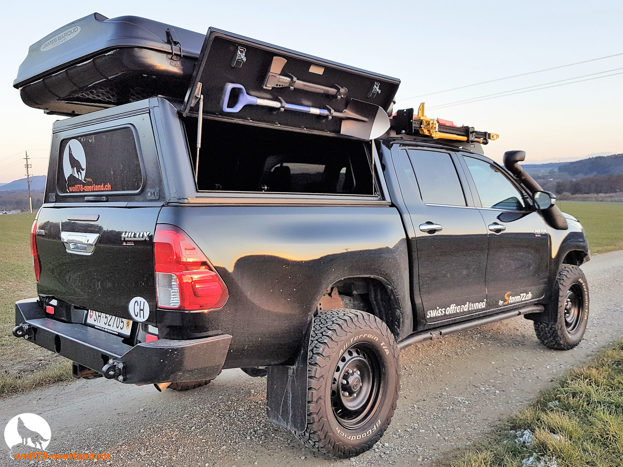 Toyota Hilux Revo rear Steel bumper Alu-cab 2016 2017 #ProjektBlackwolf offroad overland expedition 4x4 ARB Frontrunner Rocksliders Roofrack Rival skidplate James Baroud Discovery Awining Markise bfgoodrich 265/70R17 TJM Sknorkel wolf78-overland.ch