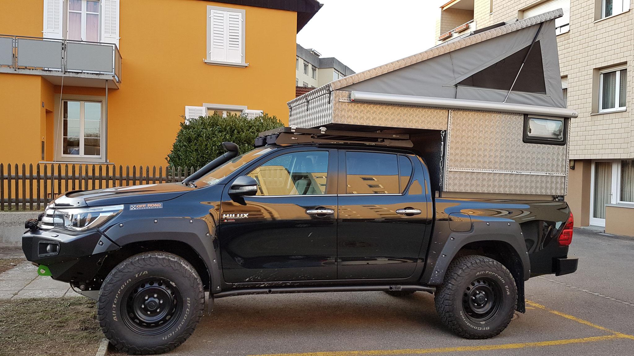 "Exkab 1 Wohnkabine Toyota Hilux Pickup camper Revo 2017 2.4 #ProjektBlackwolf truckcamper  4x4 ARB Fahrwerk Frontrunner Rocksliders Roofrack Rival skidplate  bfgoodrich 285/70R17 33"" Tires TJM Sknorkel offroad Tacoma expedition overland wolf78-overland.ch"